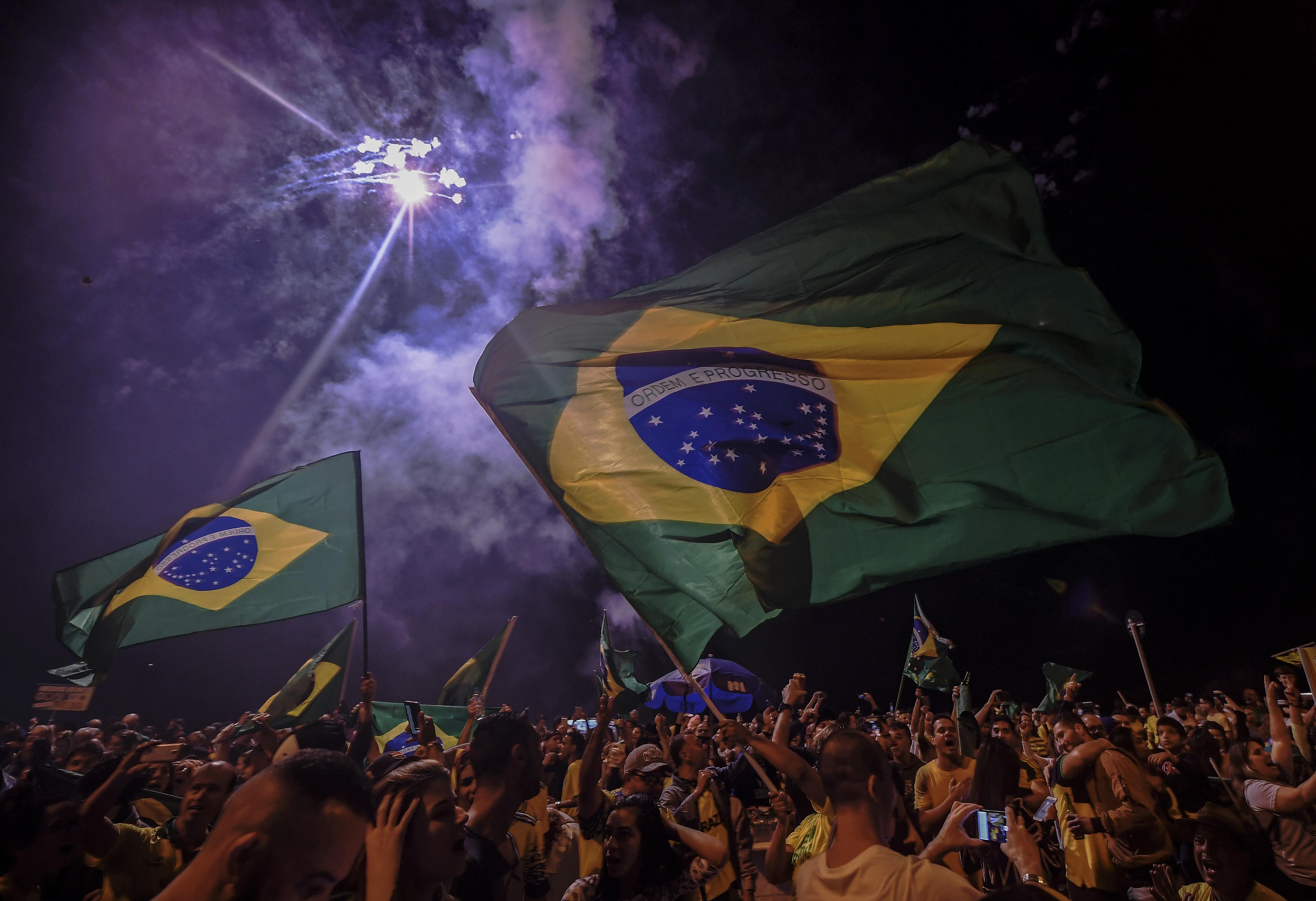Ahogy Trump, úgy Bolsonaro is mélyebb társadalmi válság tünete