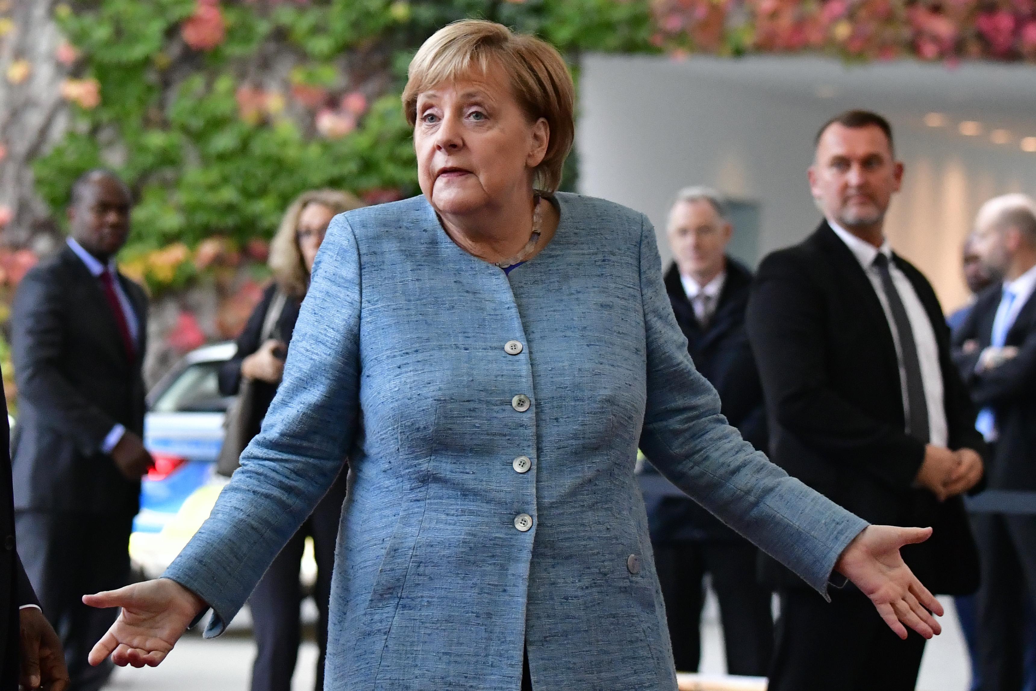 Pártjában erős marad Merkel, de a koalíció könnyen magával ránthatja