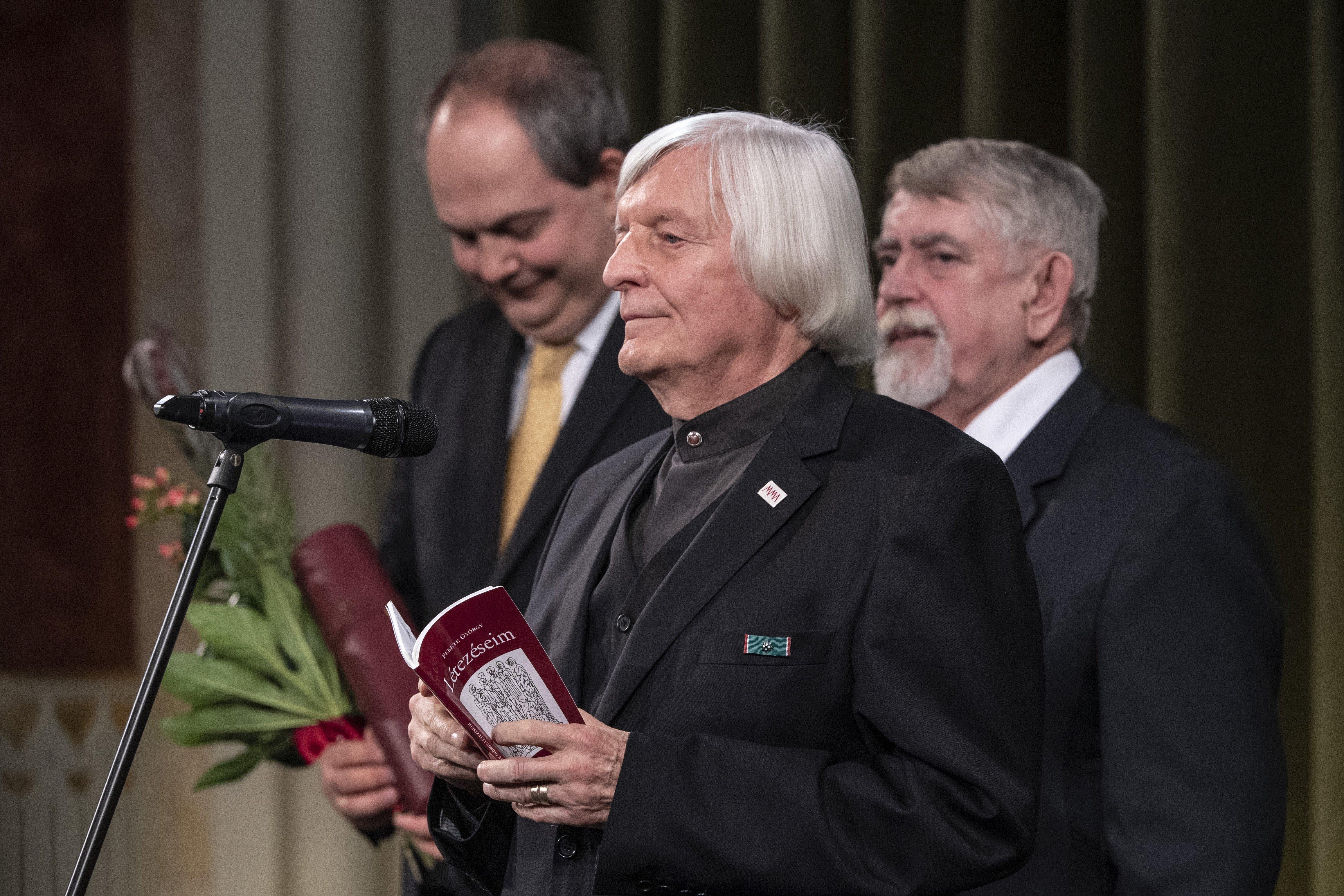 Kásler Miklós átadta a Nemzet Művésze díjat Fekete Györgynek