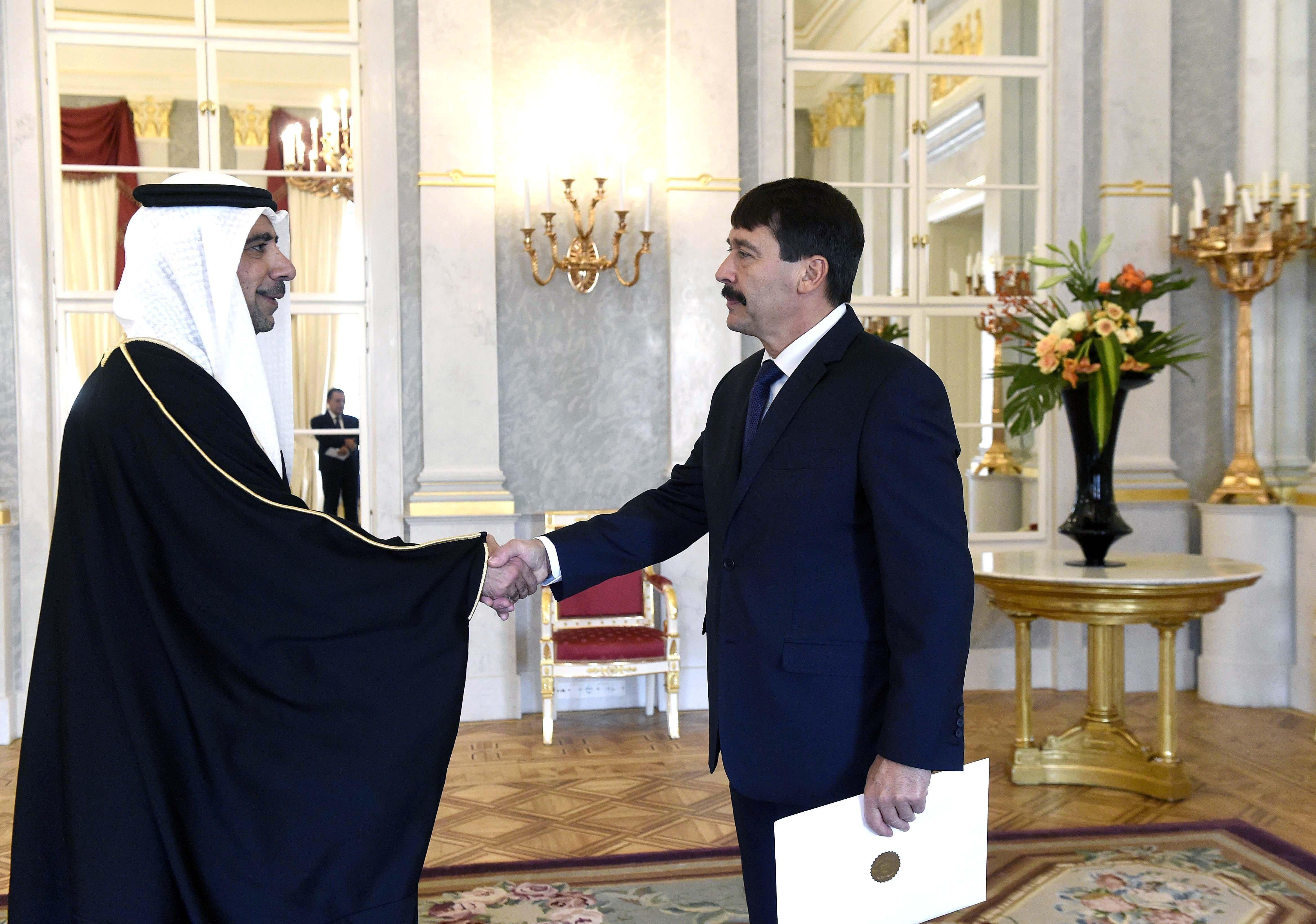 Áder János fogadta az új bahreini, palesztin, zöld-foki, georgiai és izlandi nagyköveteket