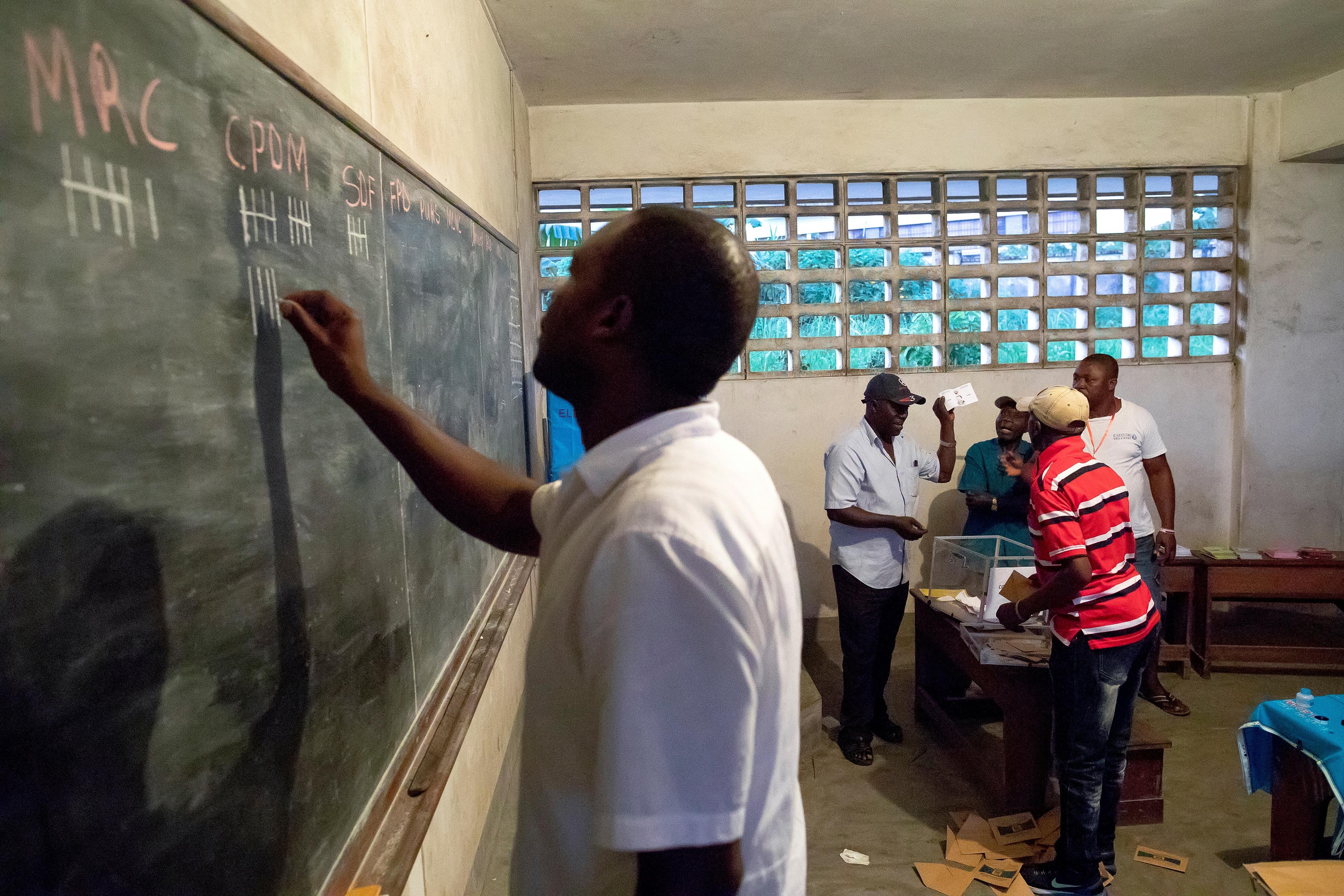79 diákot raboltak el egy kameruni középiskolából