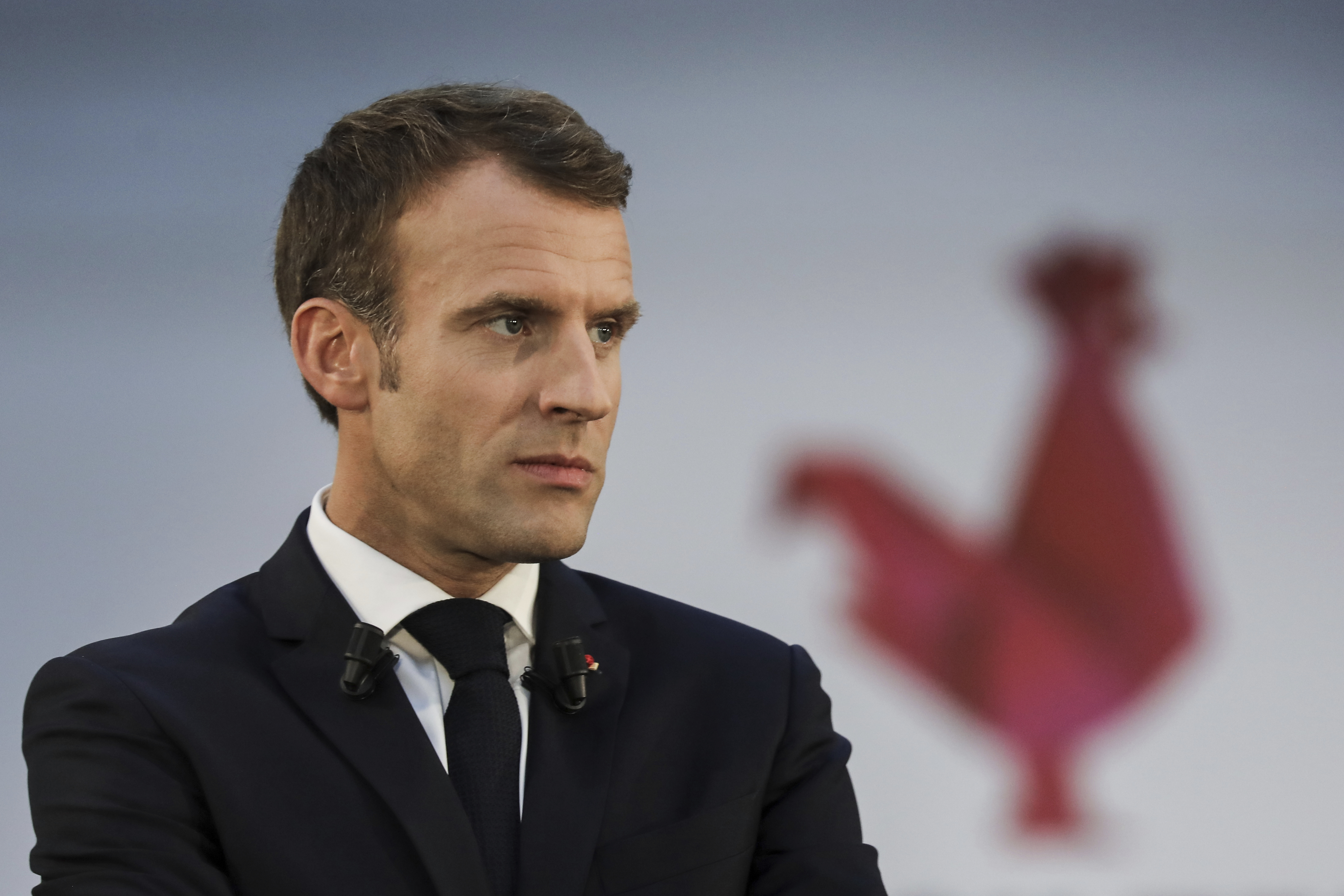 Macron emlékeztette Franciaországot, hogy az istenkáromlás nem bűncselekmény