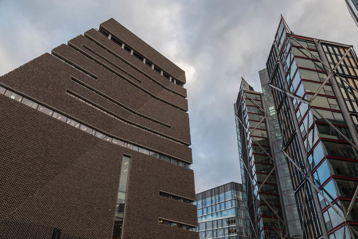 Perlik a Tate Modernt a luxusapartman lakói, mert belátni lakásukba a múzeum legfelső terméből