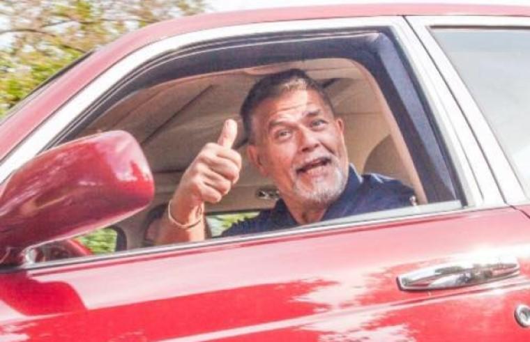 Vesztett a 69 éves holland férfi, aki azért perelt, hogy ismerjék el 49 évesnek, mert így jobb esélyei lennének Tinderen