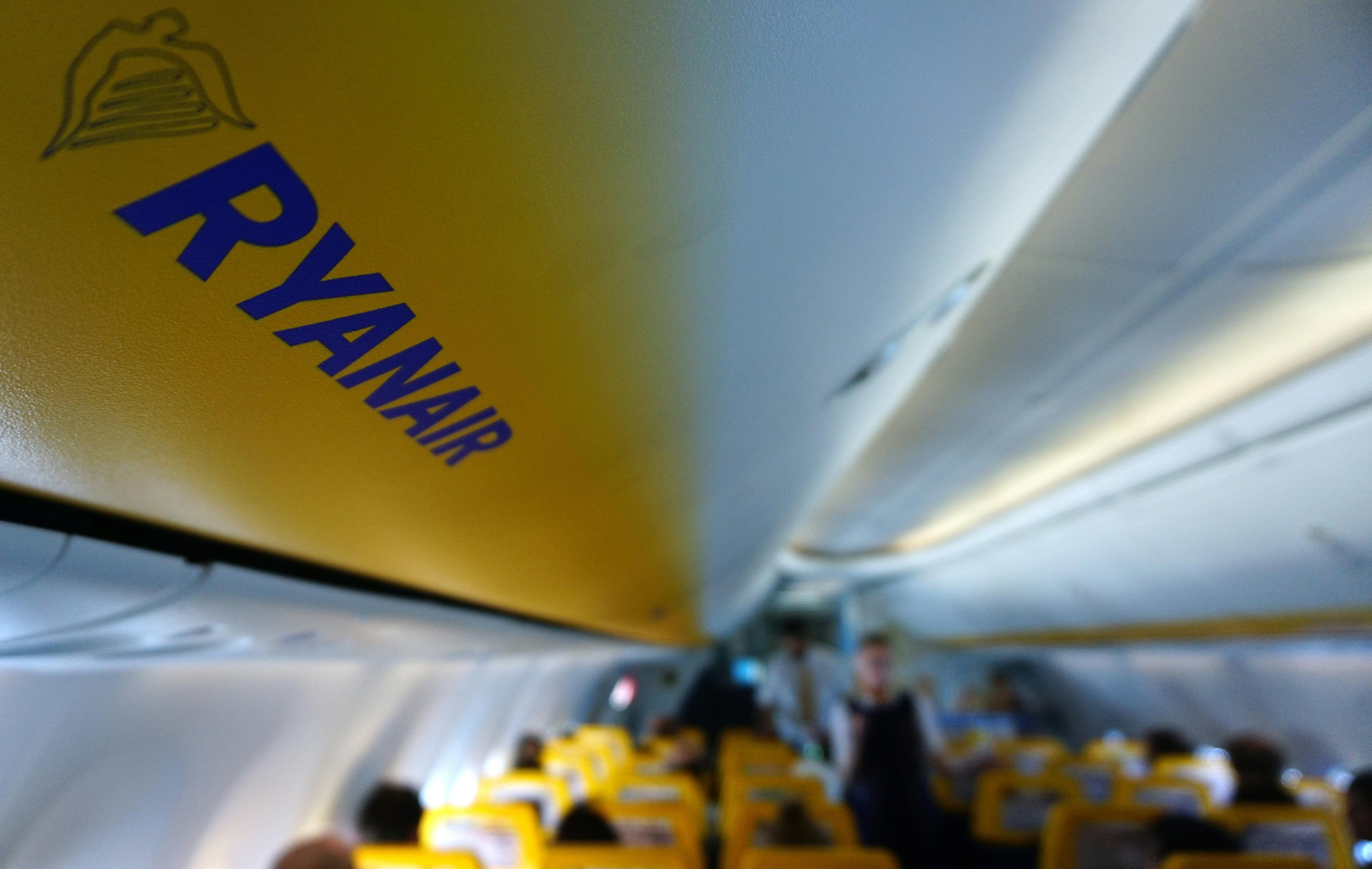 A Ryanar elnézést kért, hogy a Kanári-szigetekre tartó járata üzemanyag-feltöltési okokból 6 órán át vesztegelt Budapesten