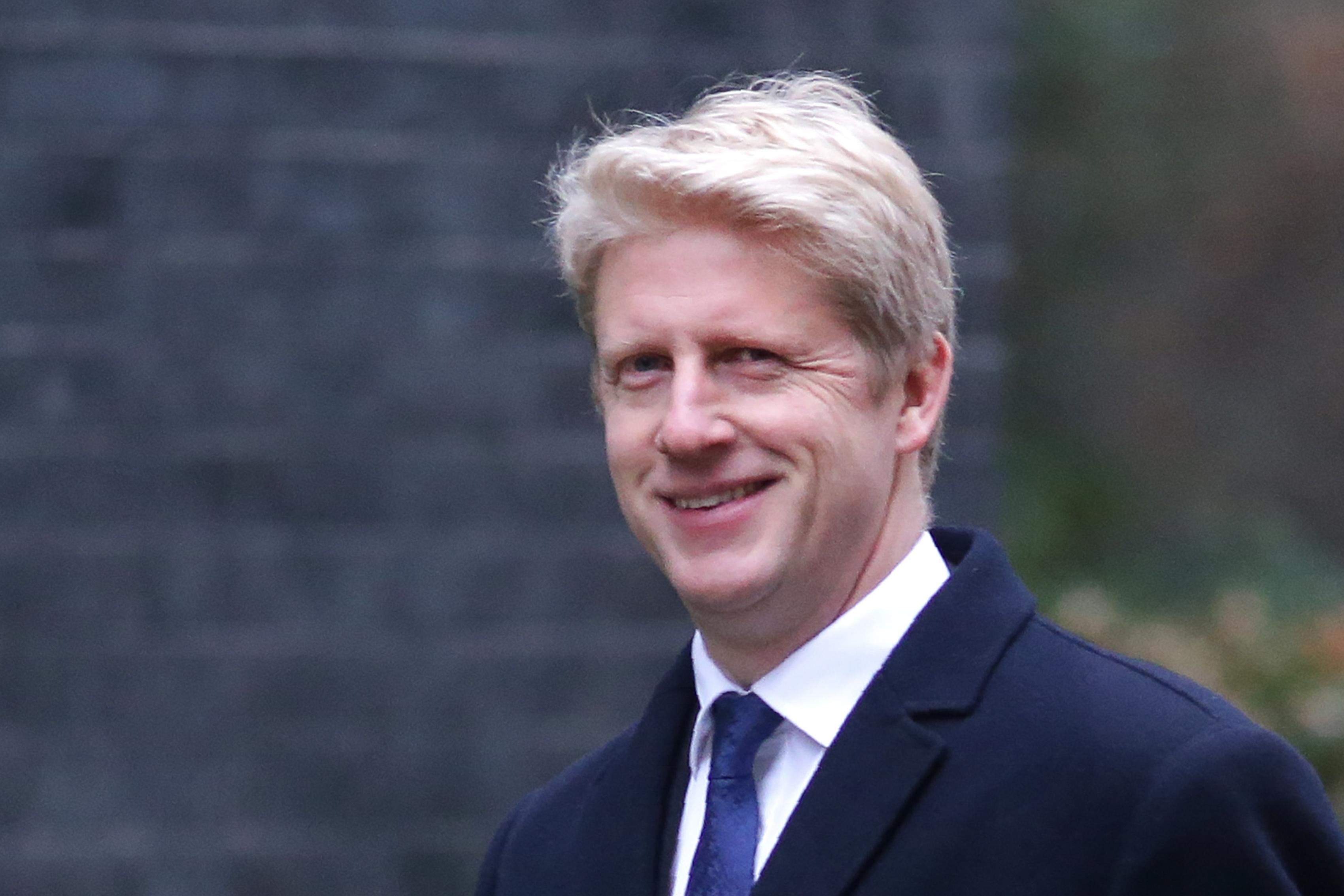 Távozott a brit kormányból Boris Johnson öccse
