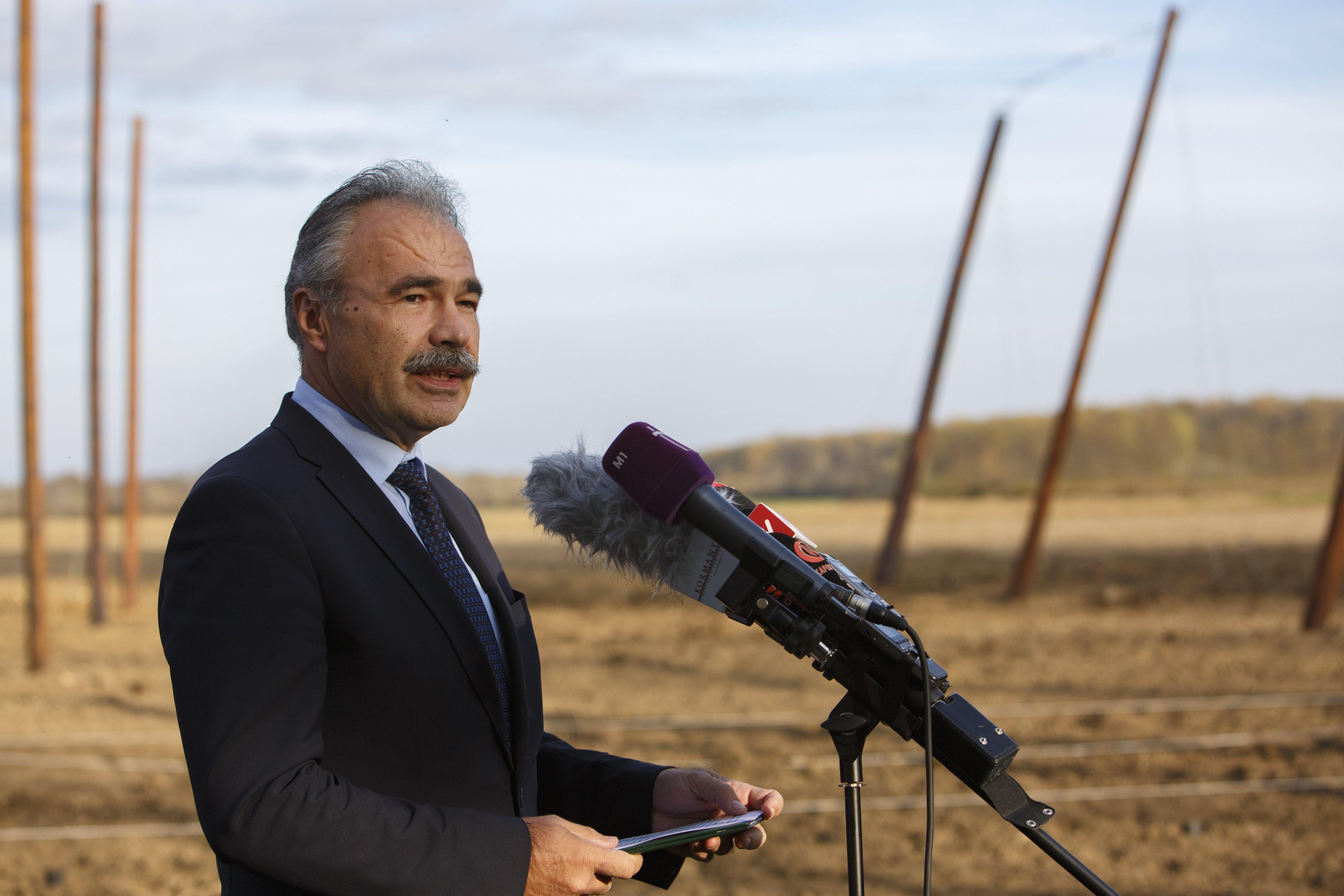 Agrárminiszter: Kiemelt feladat a határon túli magyar gazdálkodók érdekképviselete