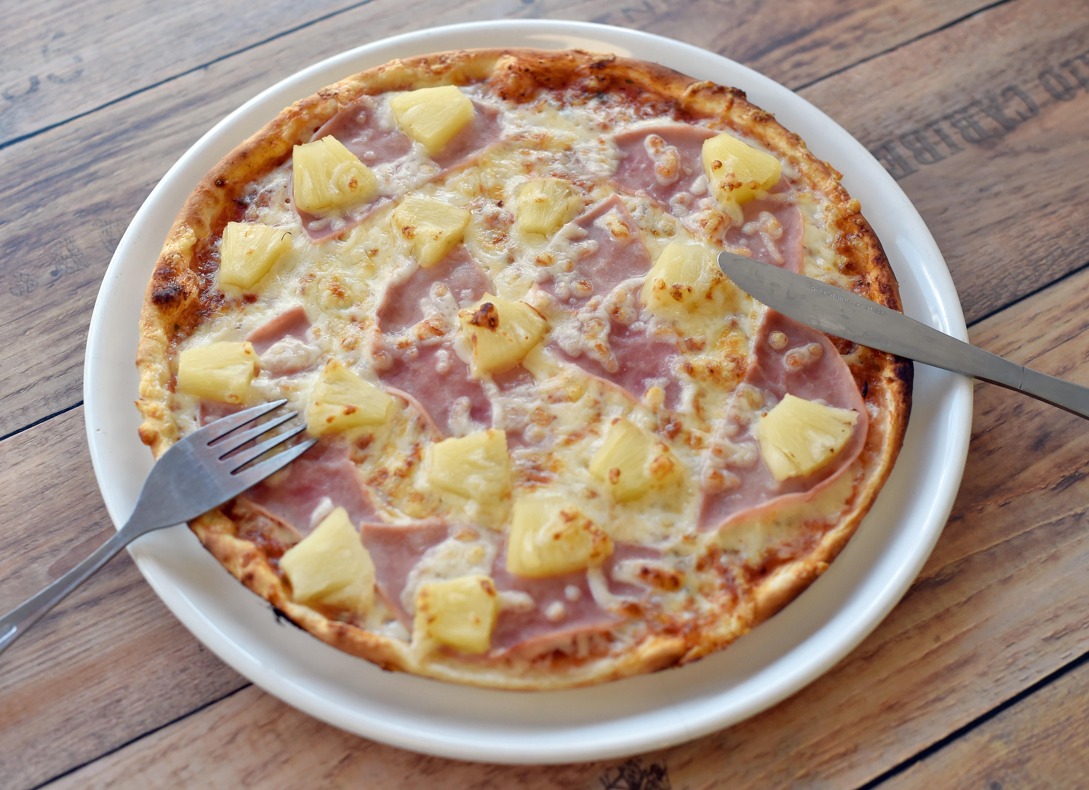 Az izlandi elnök elismerte, túl messzire ment, amikor a hawaii pizza betiltásáról beszélt
