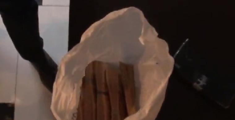 Korrupciós pénz átadása közben érték tetten a Roszatom emberét, zseniális videó készült róla