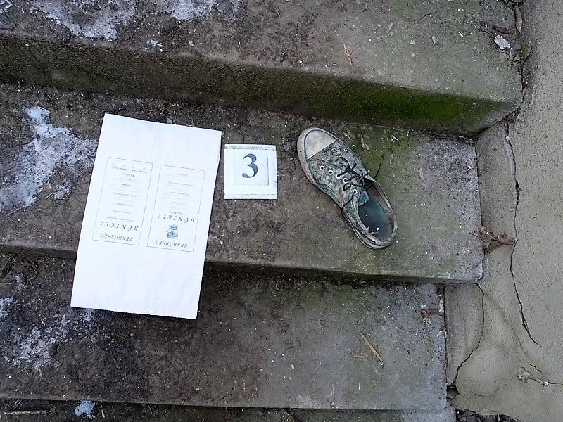 Kínában megsemmisítettek félmillió cipőt