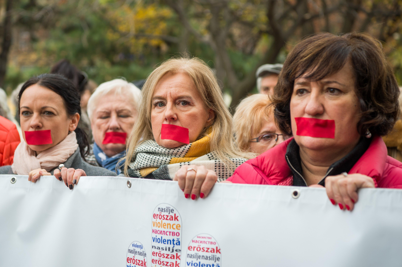 Az Európai Bizottság nyilvános konzultációt indít a nők elleni erőszakról az EU tagállamaiban