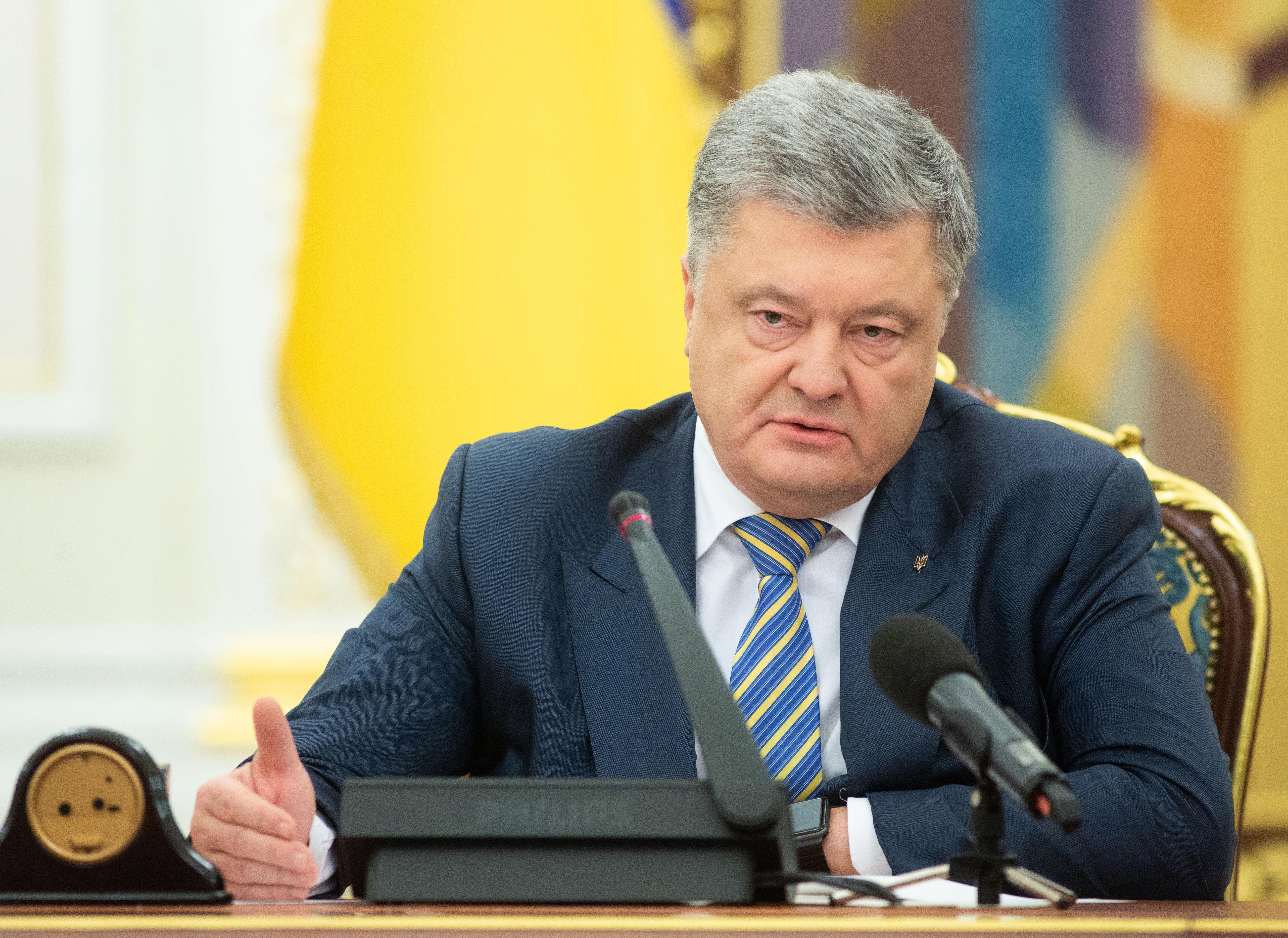 Összeül az ENSZ BT az orosz-ukrán konfliktus miatt, Porosenko a hadiállapot bevezetését javasolja a parlamentnek