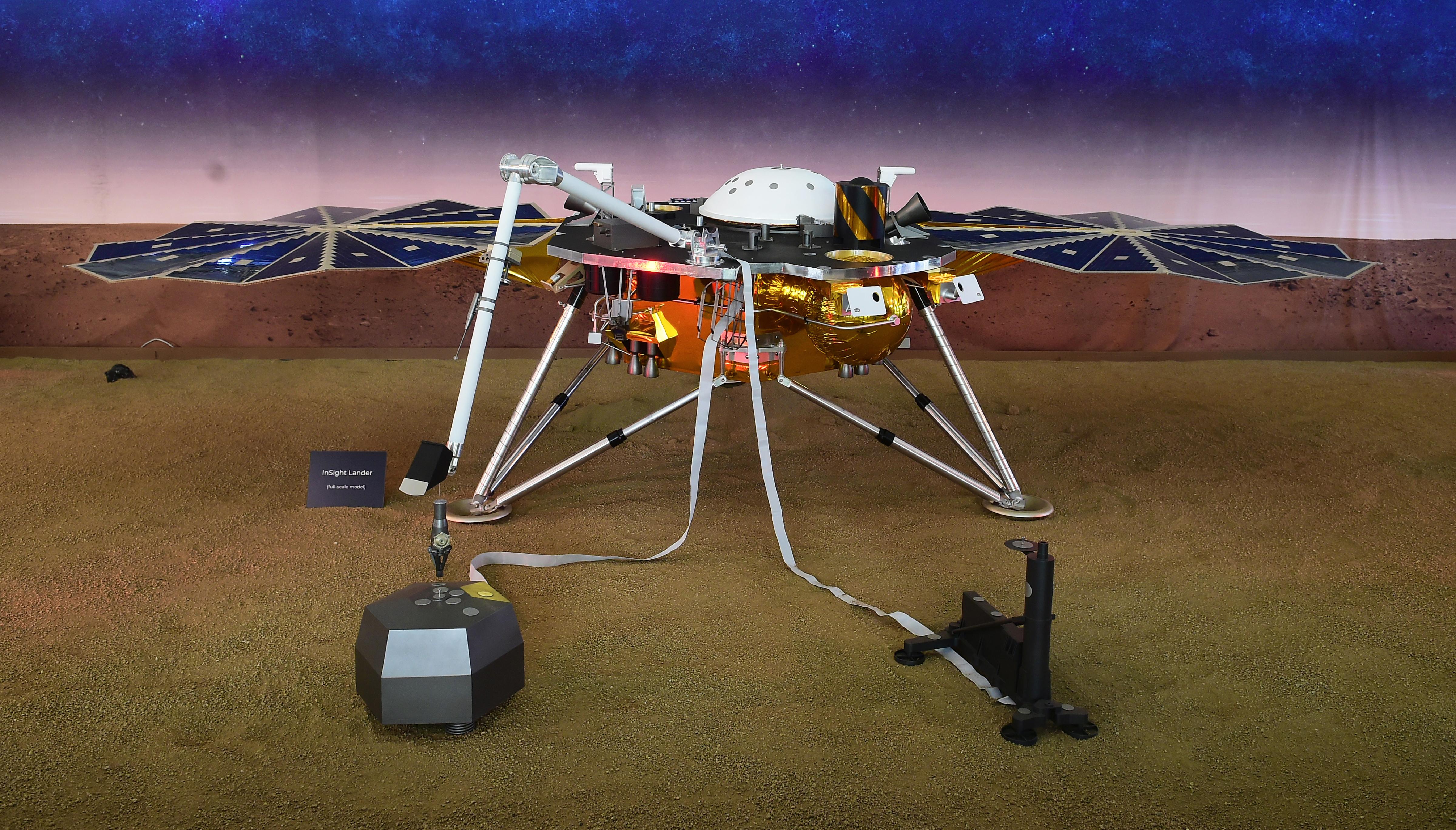 Már oda is ért a Marsra az InSight űrszonda