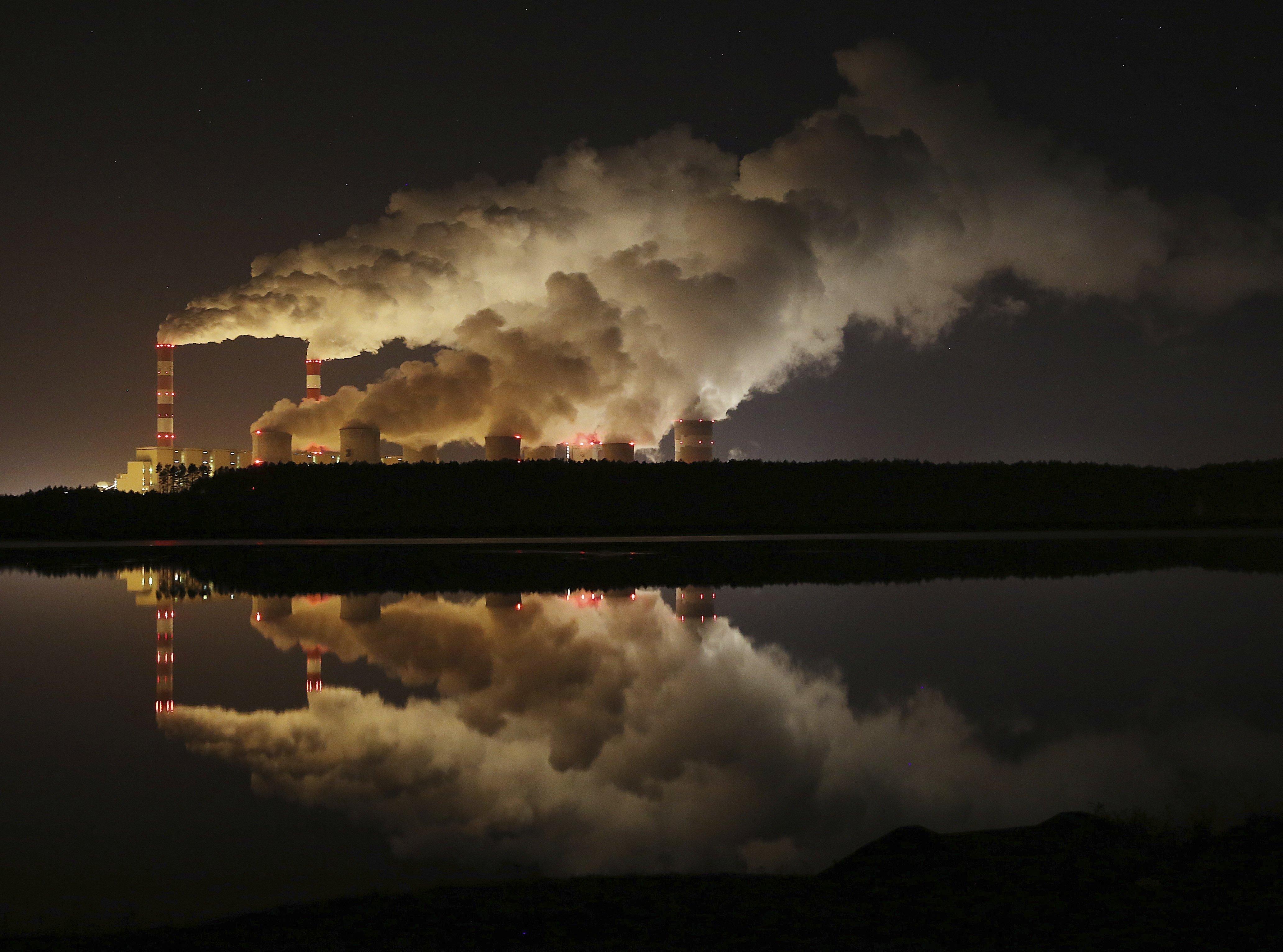 Hatalmas, három Paks II-nyi nukleáris programot indítanak a lengyelek, hogy kiváltsák a szénerőműveket