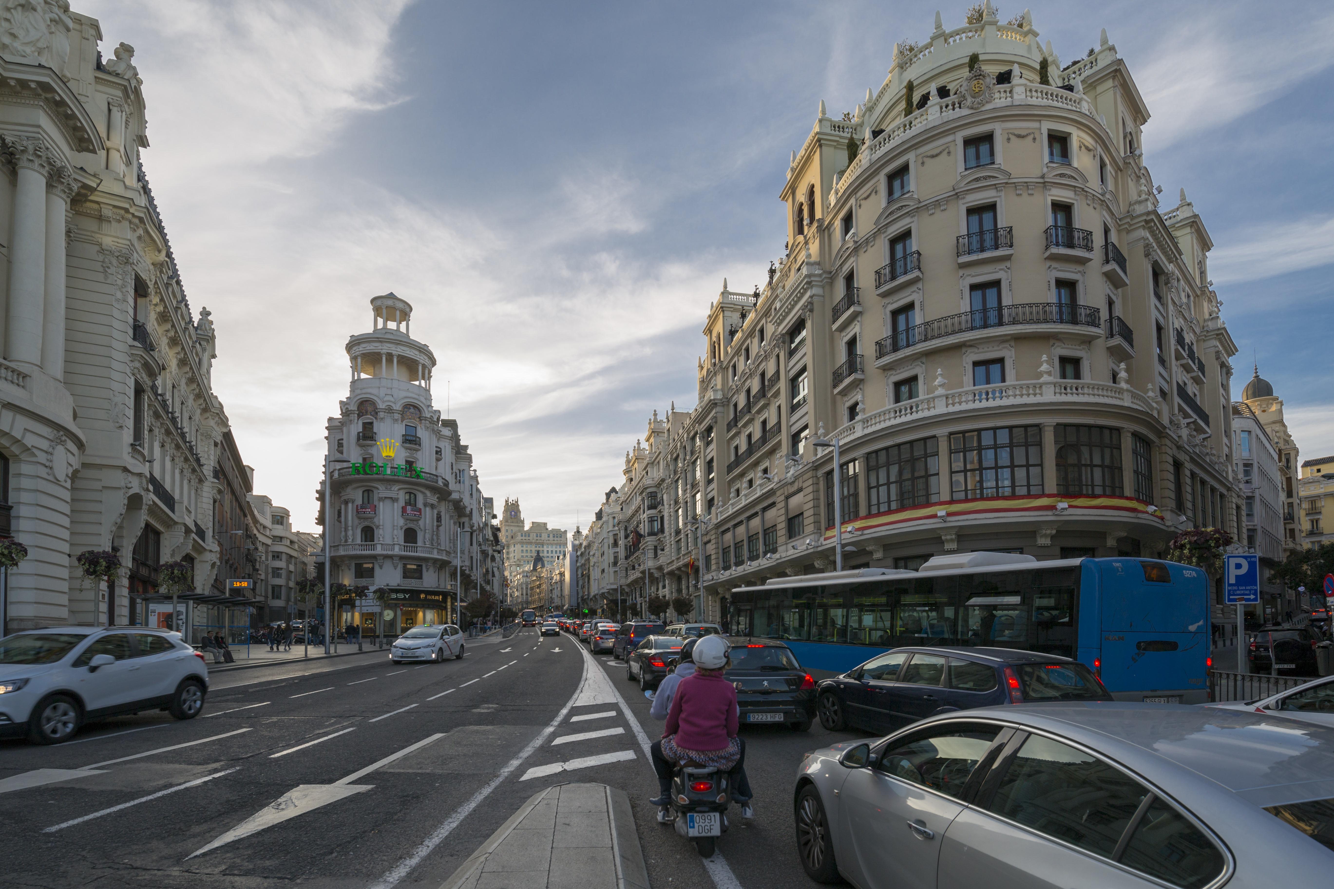 Mától csak zéró kibocsátású járművekkel lehet szabadon közlekedni Madrid belvárosában