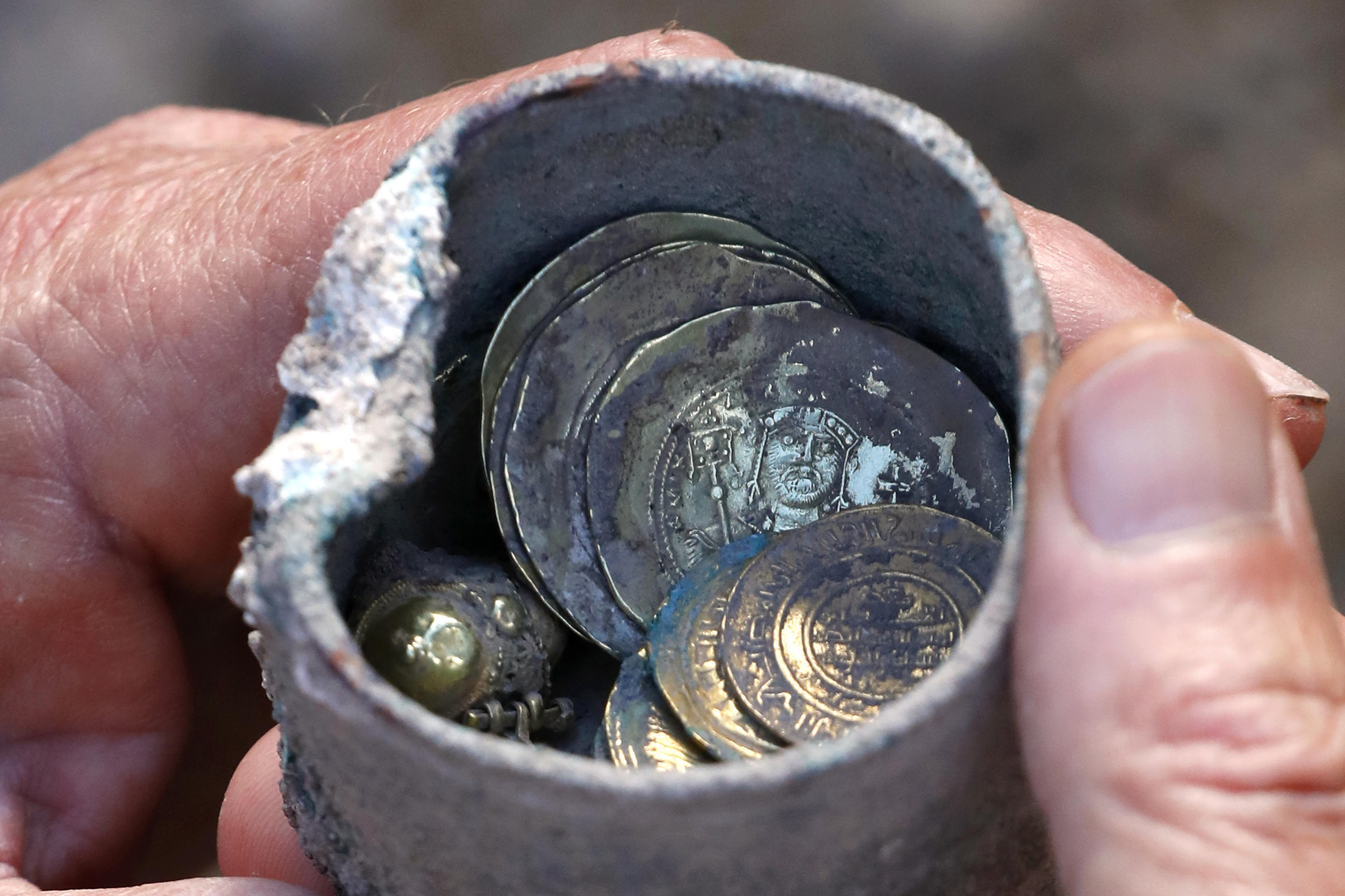 Kilencszáz éves aranykincset találtak Izraelben