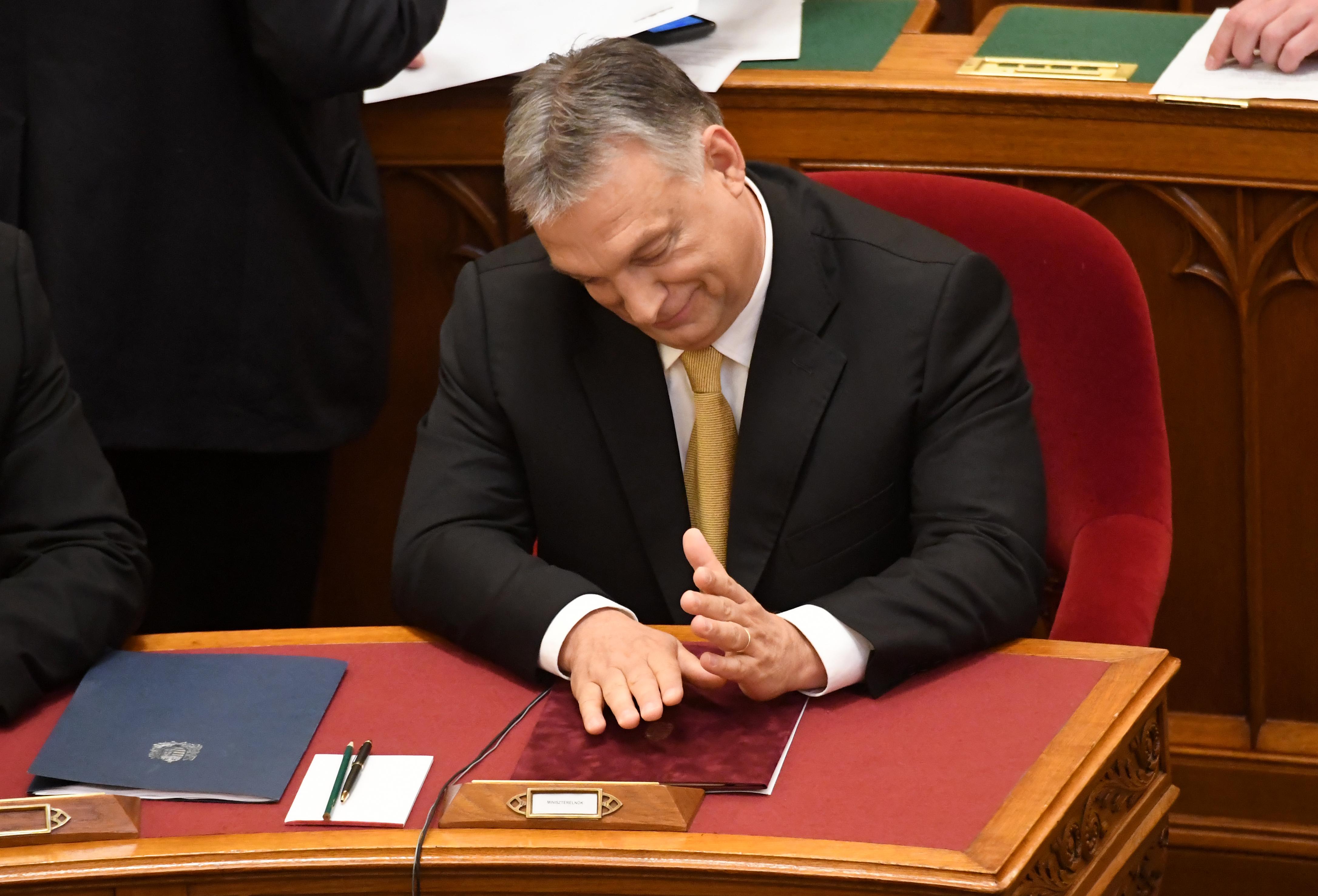 Orbán kivonta a szabályok alól a kormányzati médiaalapítványt, nem lesz versenyjogi vizsgálat