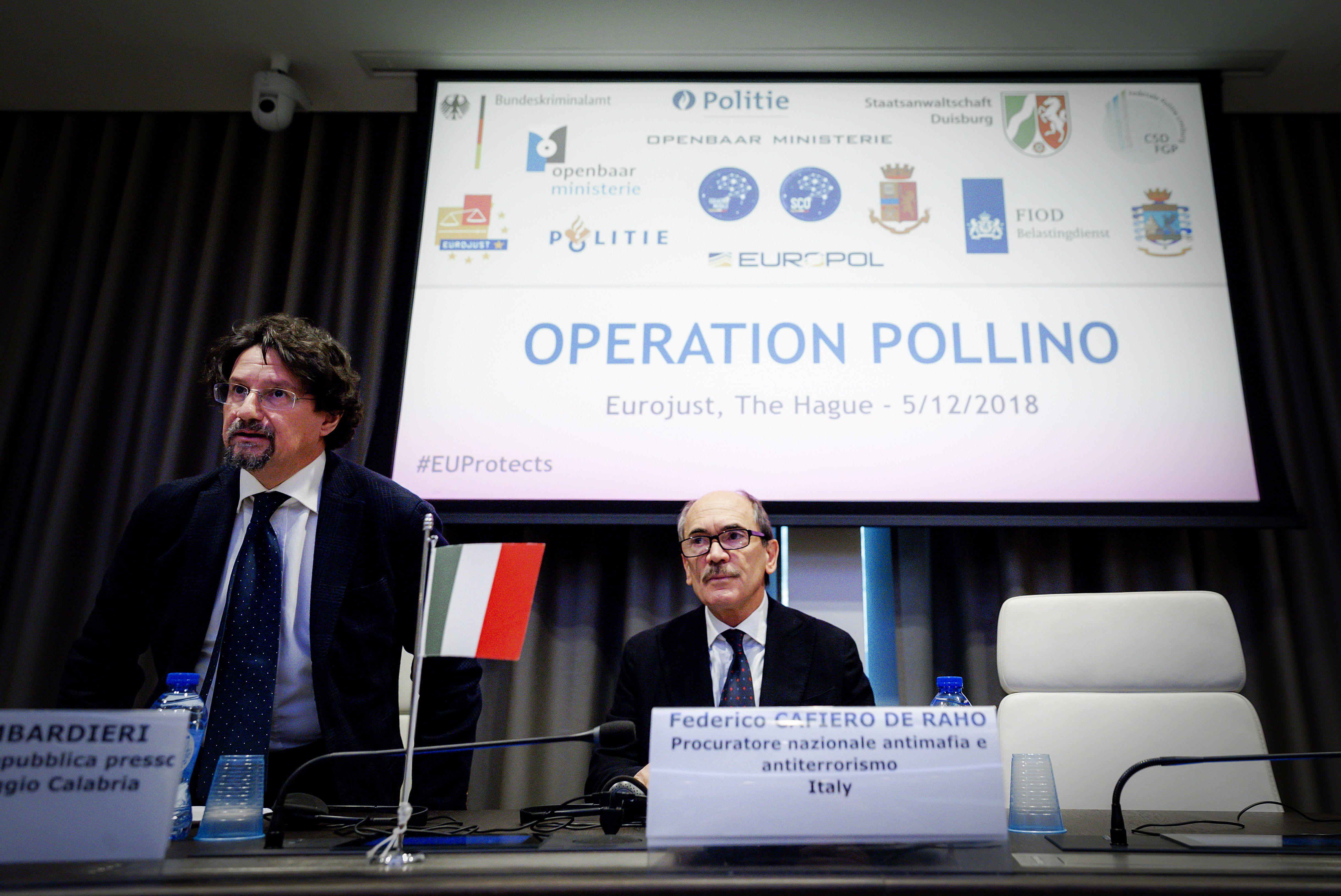Kontinenseken átívelő akcióban csaptak le az olasz maffiára, 90 embert tartóztattak le