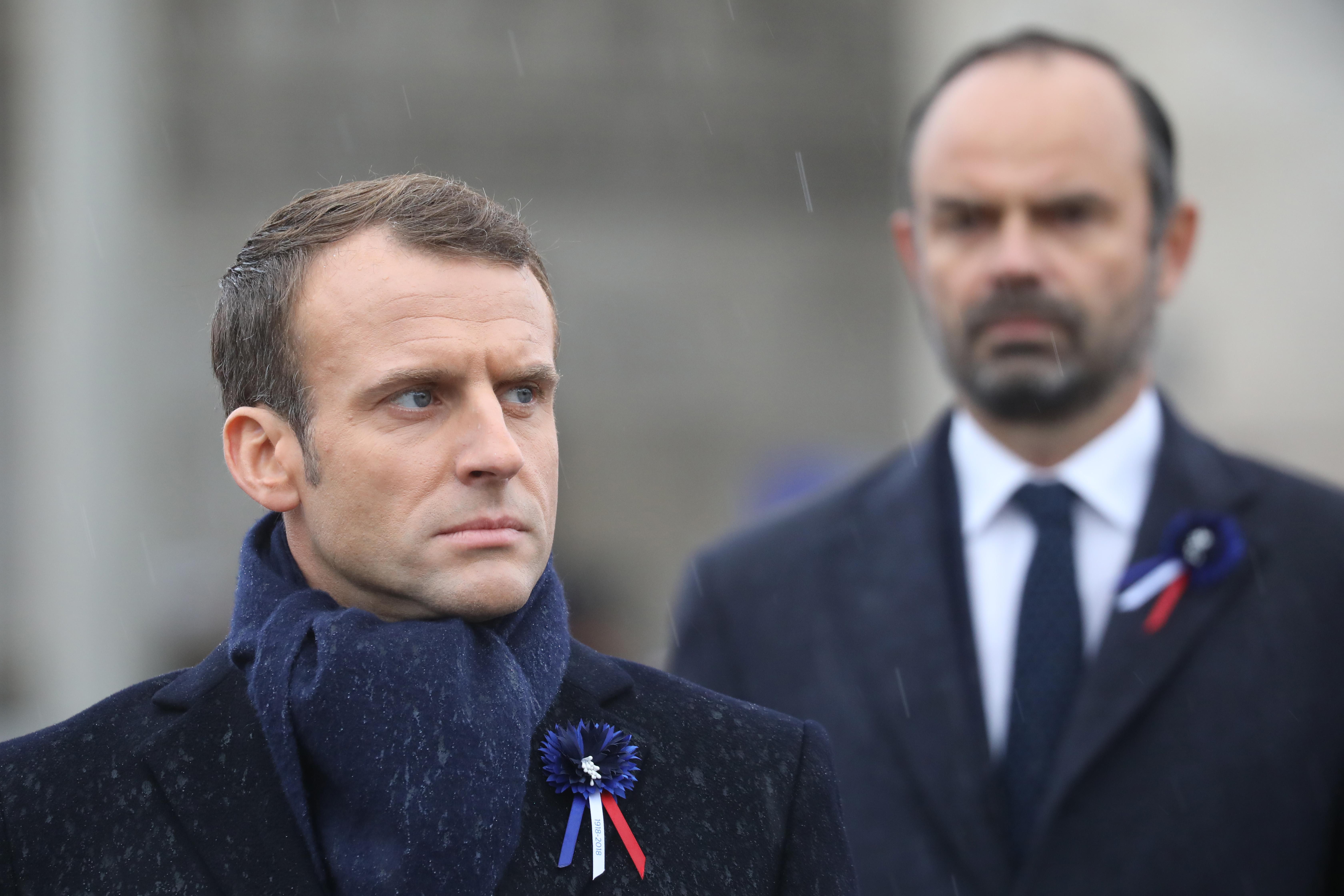 Emmanuel Macron úgy véli, részben felelős azért, hogy idáig fajult a helyzet Franciaországban