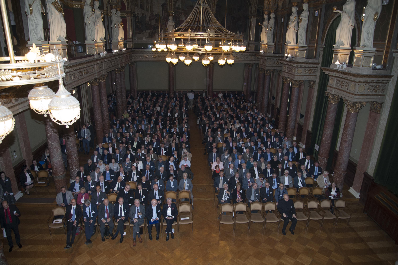 A kormány elvonja a Magyar Tudományos Akadémia költségvetésének egy részét