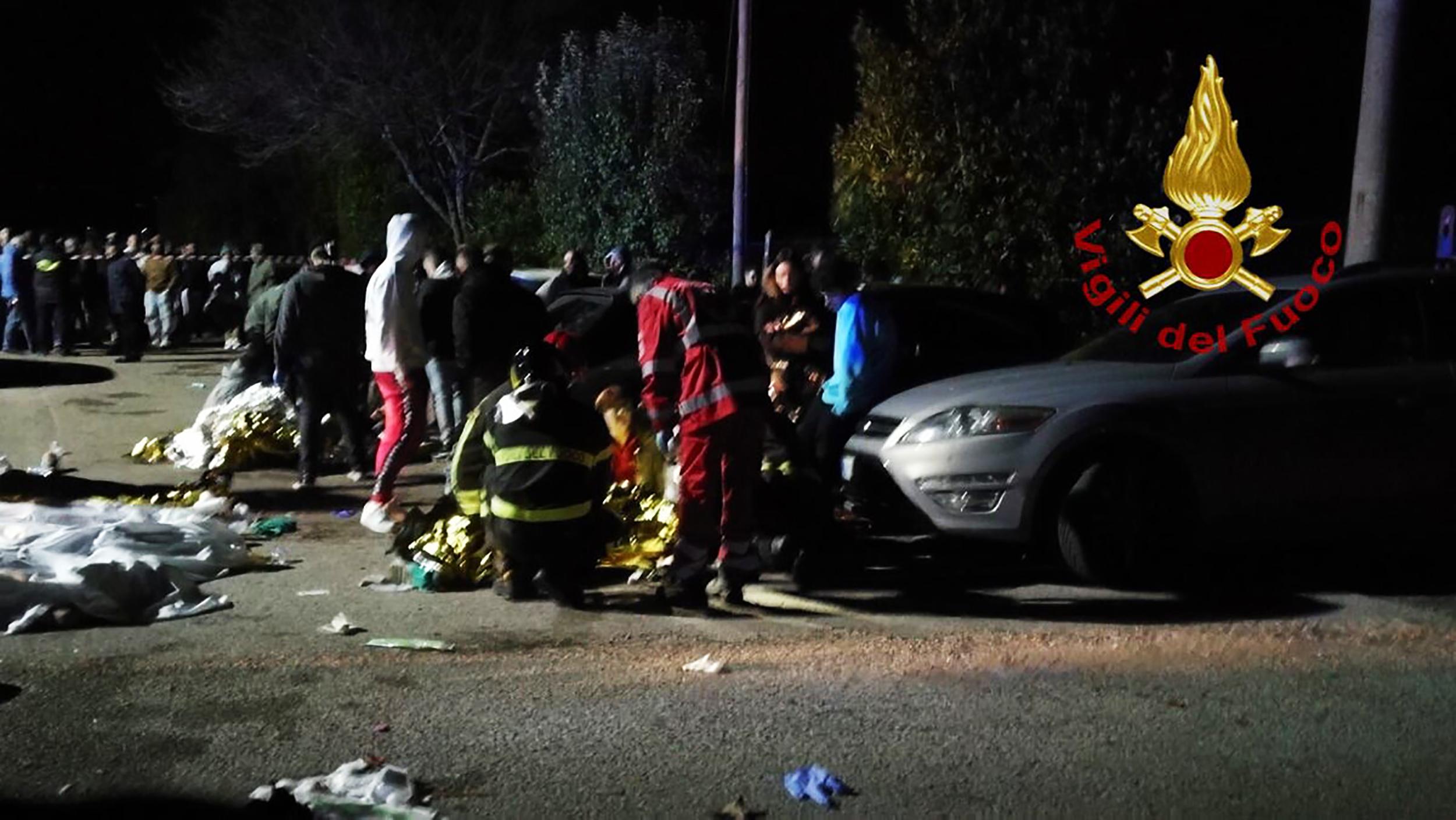 Pánik tört ki egy olasz rapper koncertjén, hat embert halálra tapostak