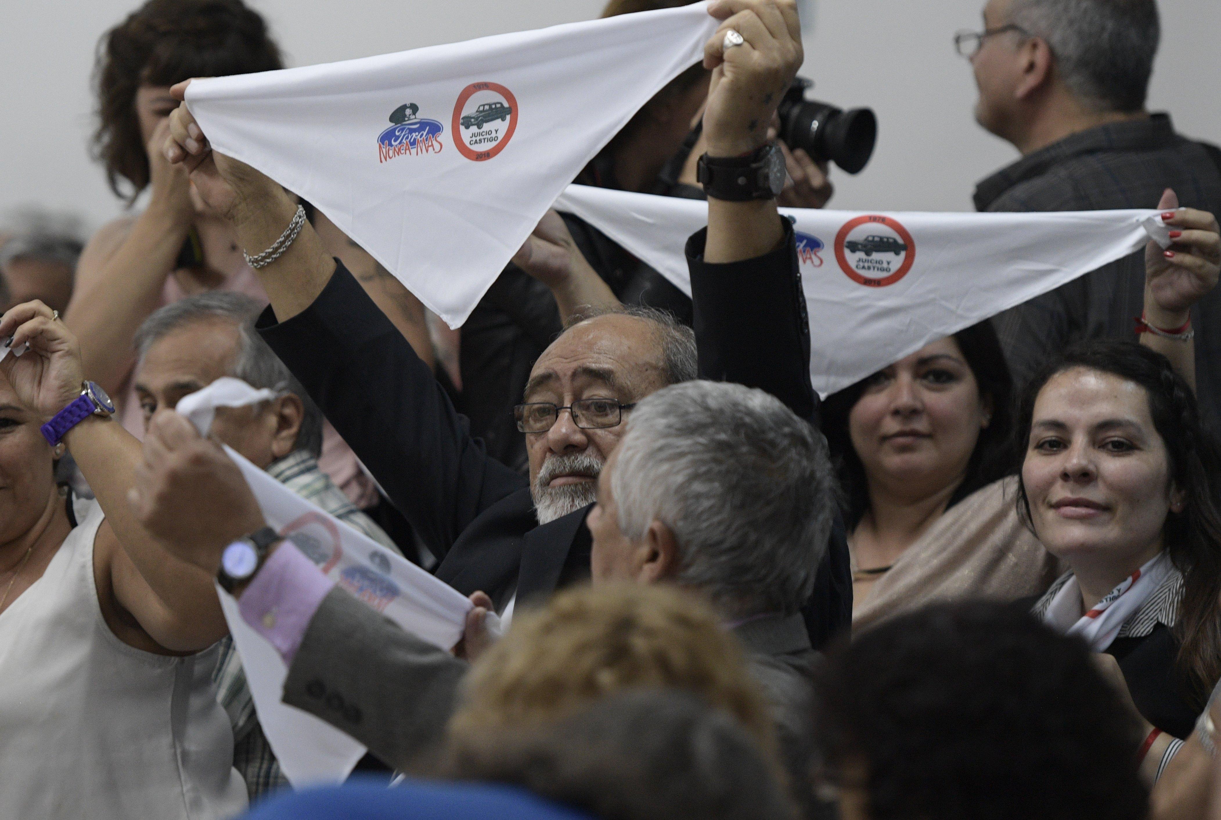 A Ford két volt vezetőjét ítélték el Argentínában kínzás és emberrablás miatt