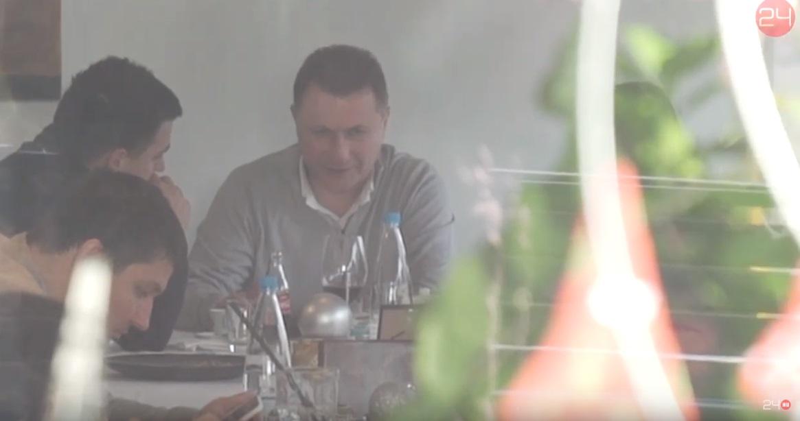 Egy rózsadombi étteremben bukkant fel Nikola Gruevszki
