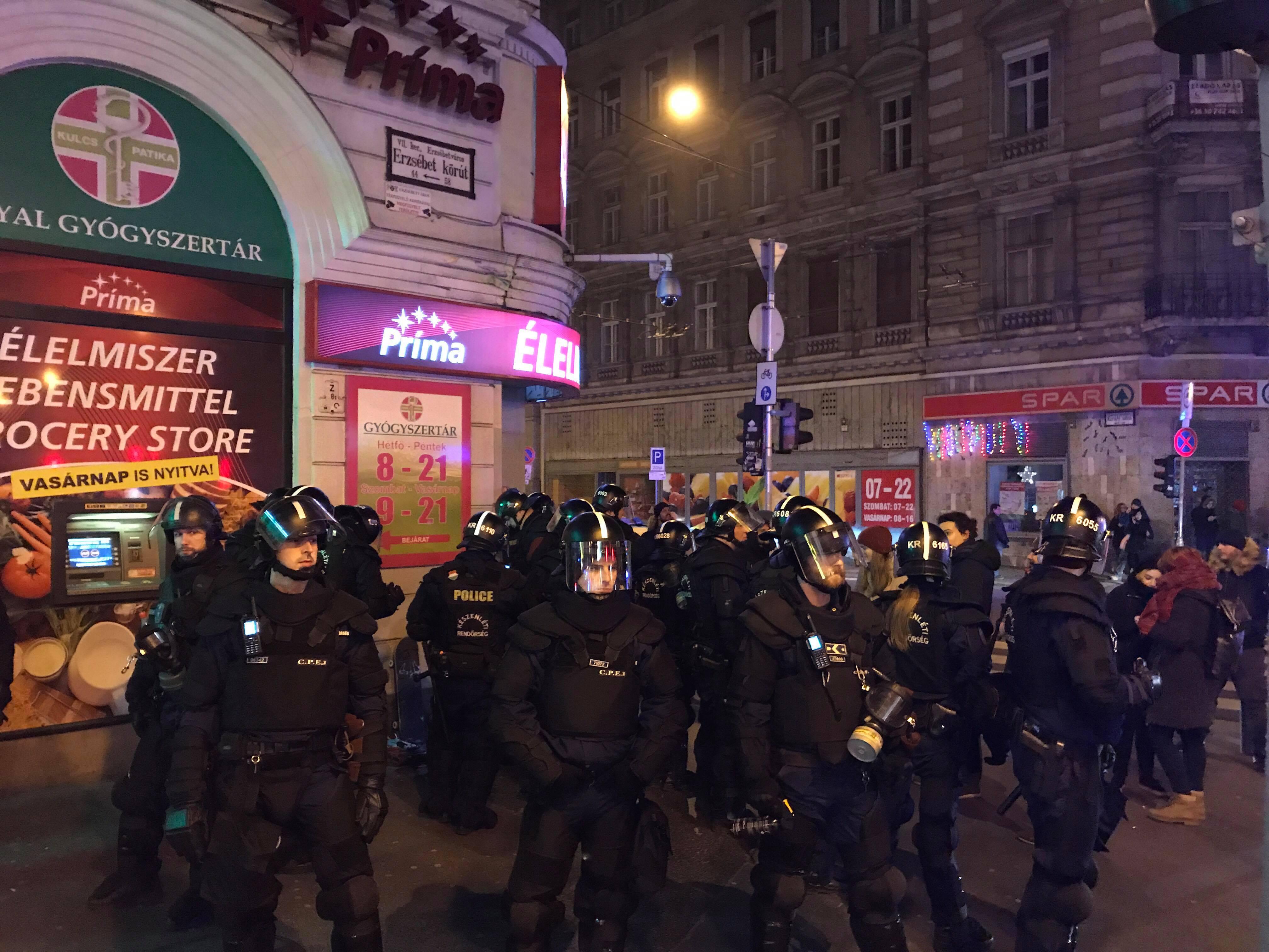 Eddig 94 tüntető kapott pénzbírságot a decemberi körúti igazoltatások után