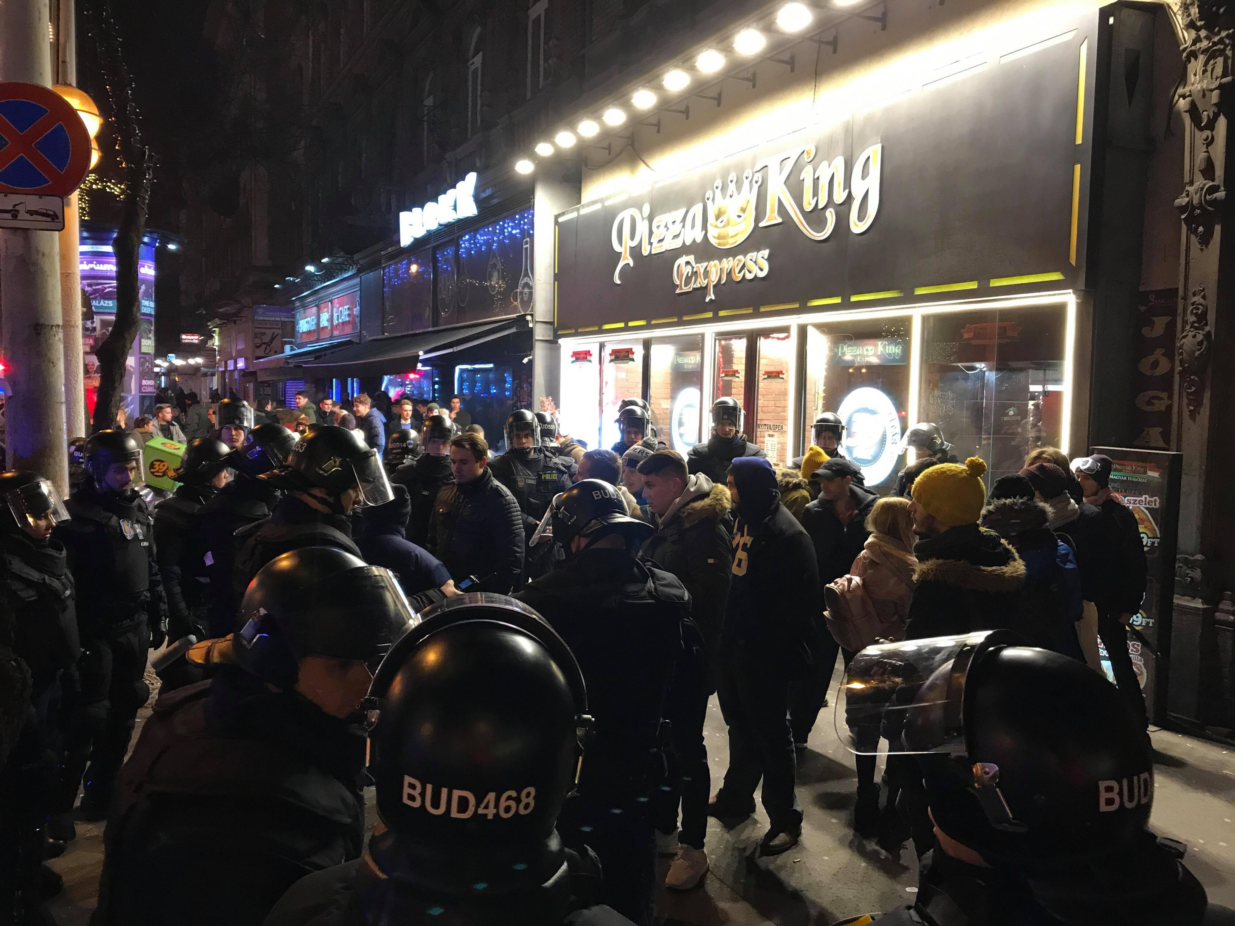 Törvénytelen volt, hogy a rendőrök kamerába mondatták a tüntetőkkel a nevüket