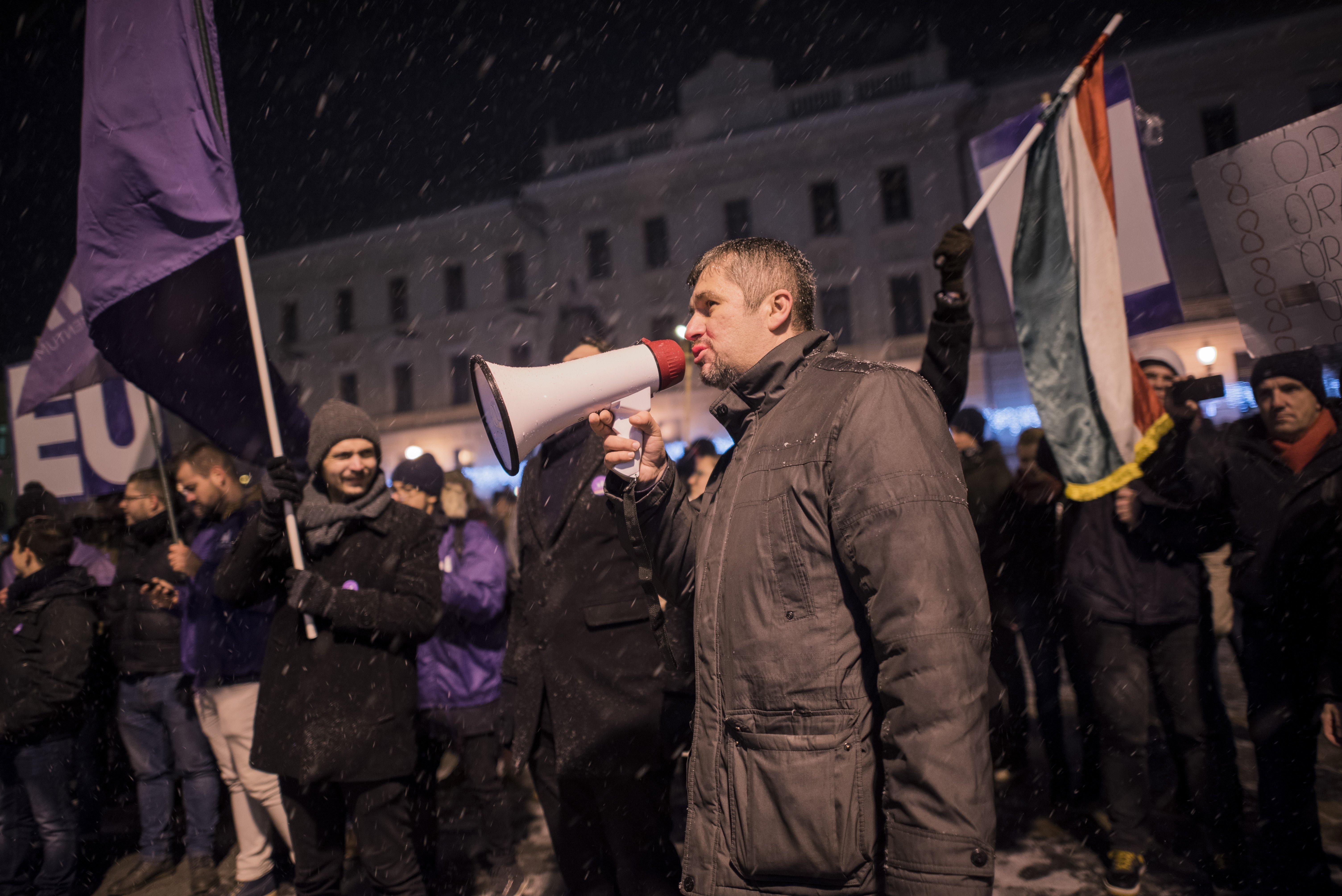Hadházy: Már 380 ezer aláírás gyűlt össze az Európai Ügyészség mellett