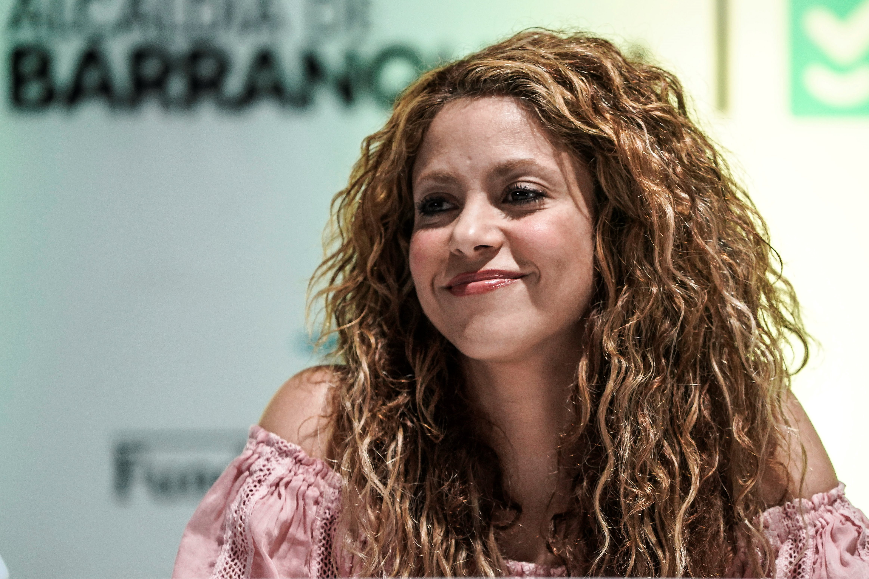 Ha már otthon kellett maradnia, Shakira elvégzett egy négyhetes képzést antik filozófiából