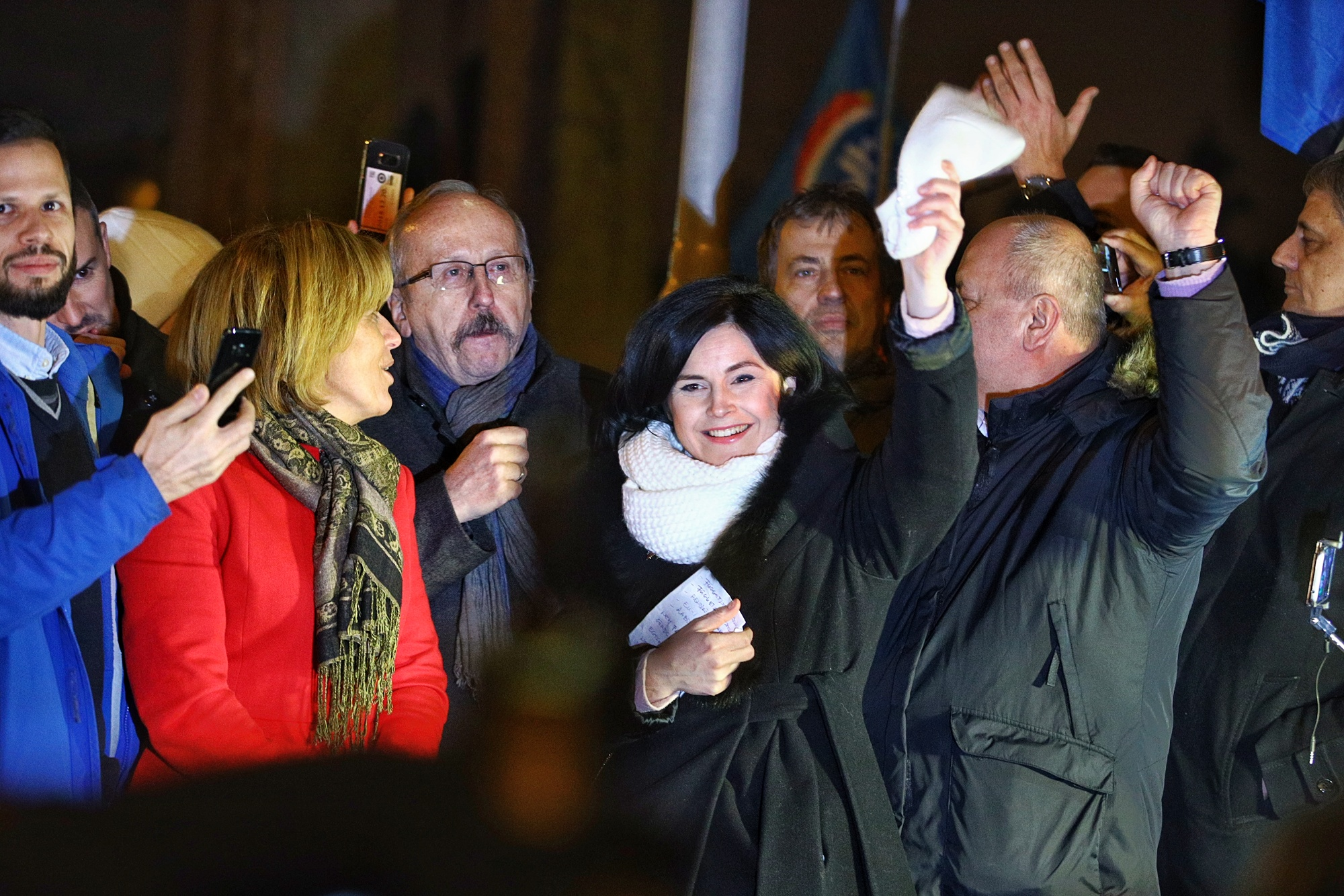 A köztévé biztonsági őrei összehozták az ellenzéki nagykoalíciót