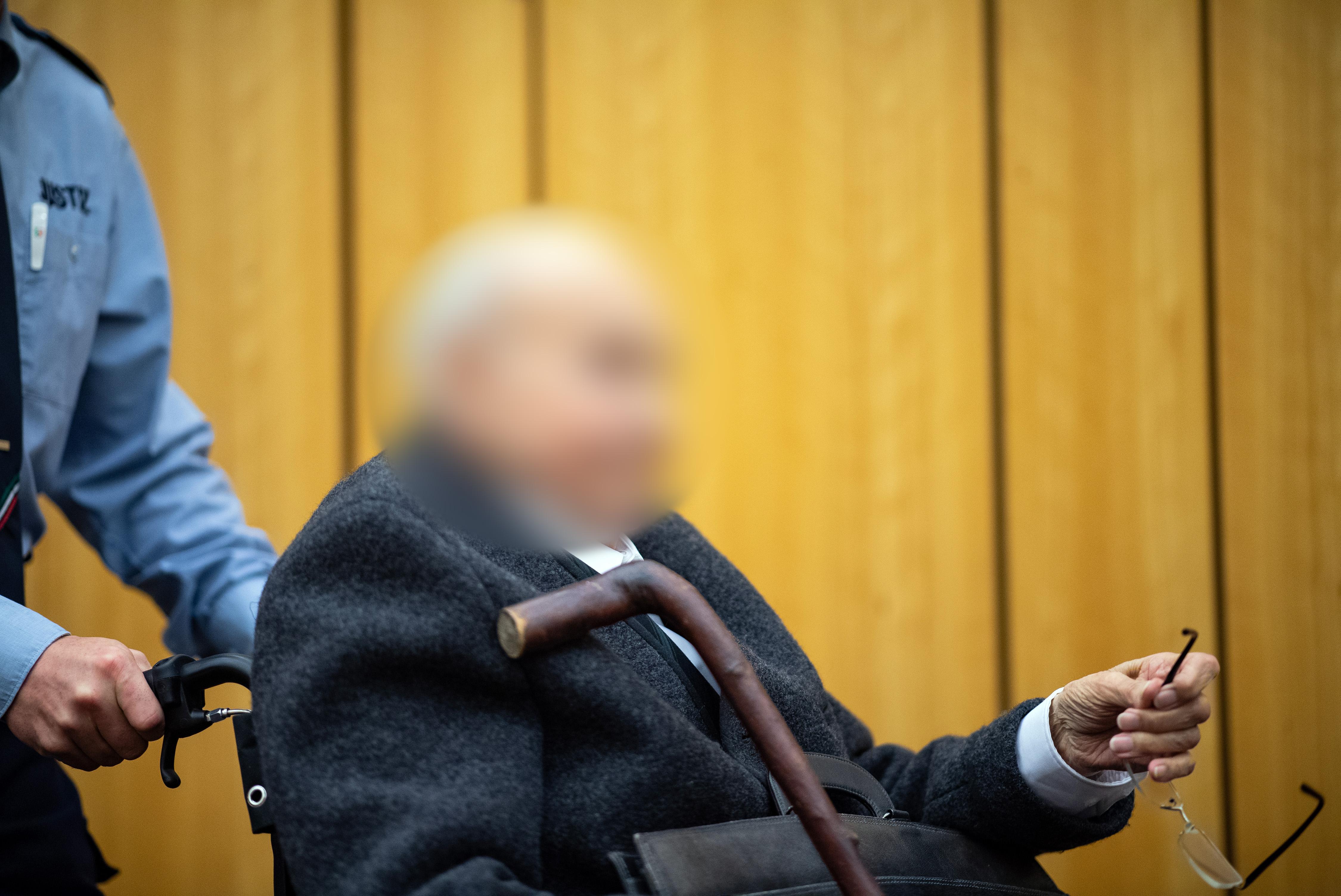 Egészségi állapota miatt nem áll bíróság elé a 97 éves férfit, aki őr volt egy náci haláltáborban