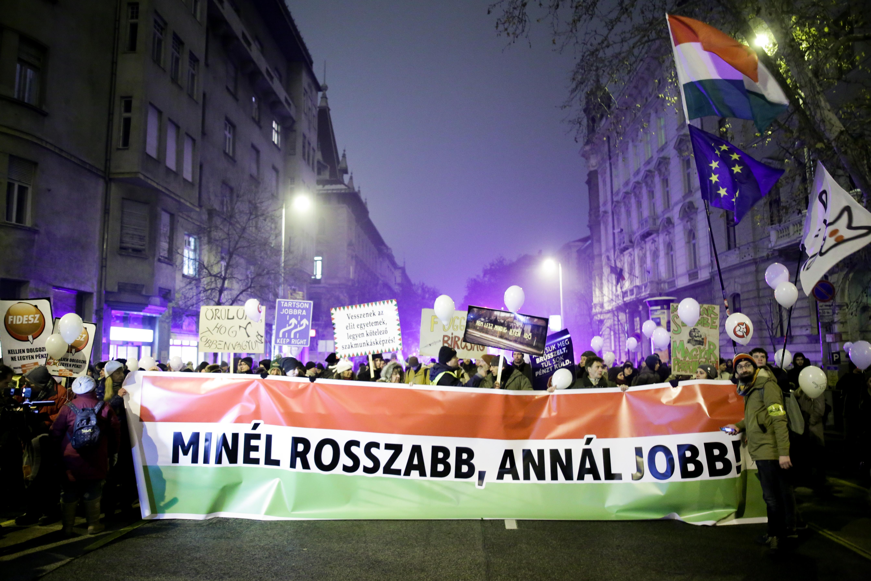 Nem engedélyezte a rendőrség a Kétfarkú Kutya Párt ceglédi tüntetését, mert nem tartják gyülekezésnek