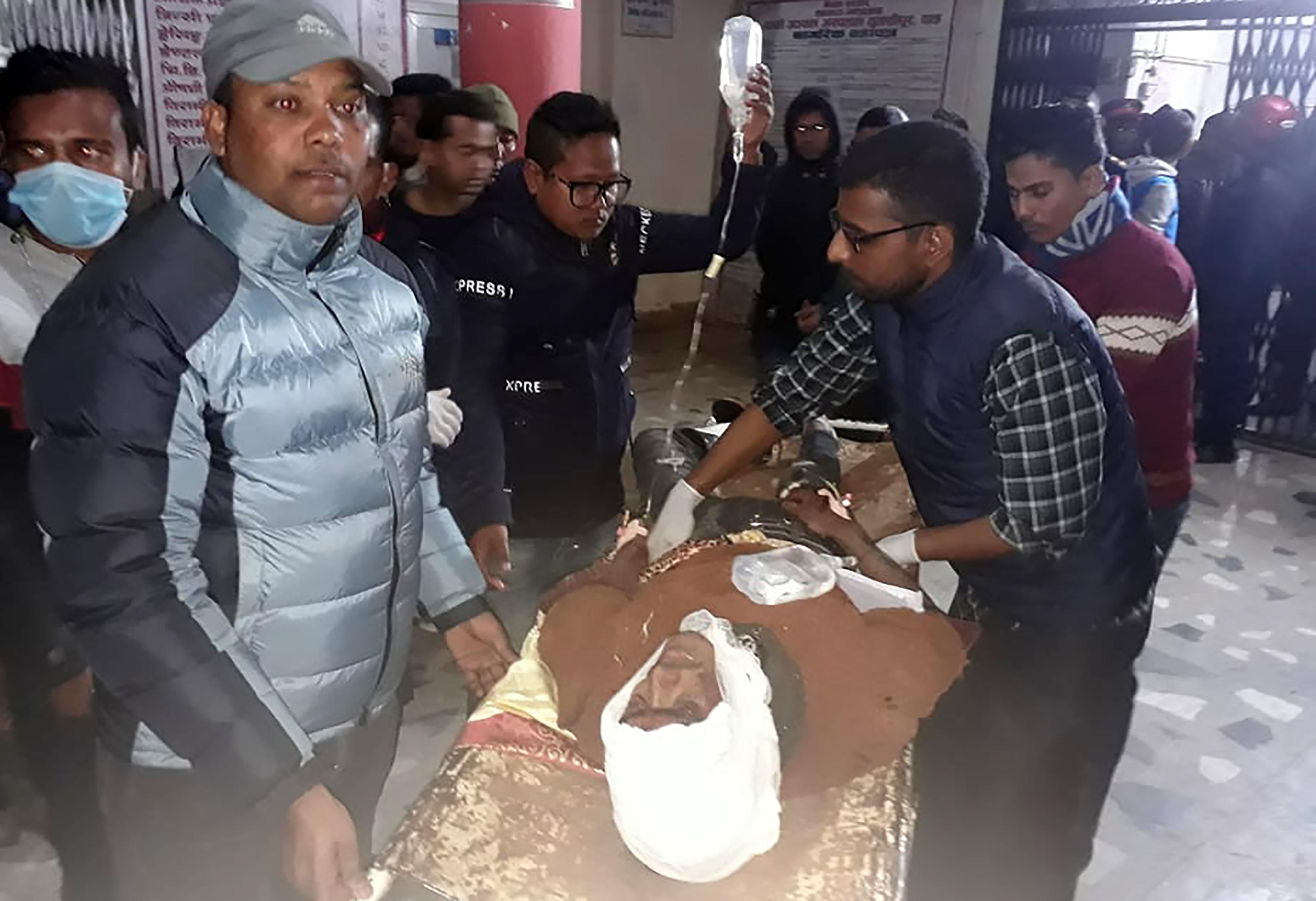 23 diák vesztette életét egy nepáli buszbalesetben