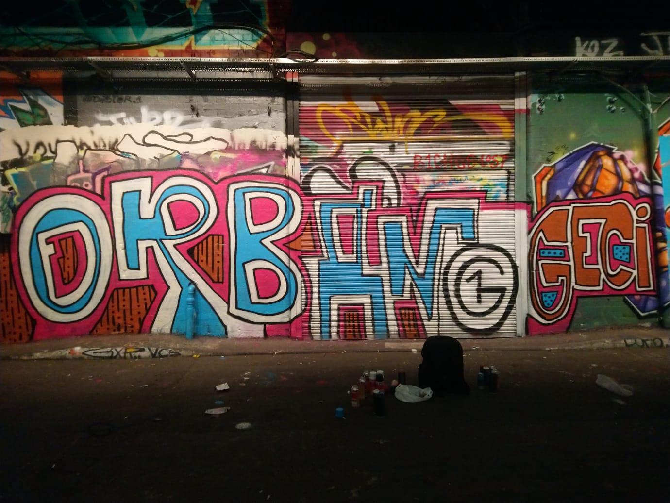 Banksy híres graffitis alagútjában is feltűnt az O1G