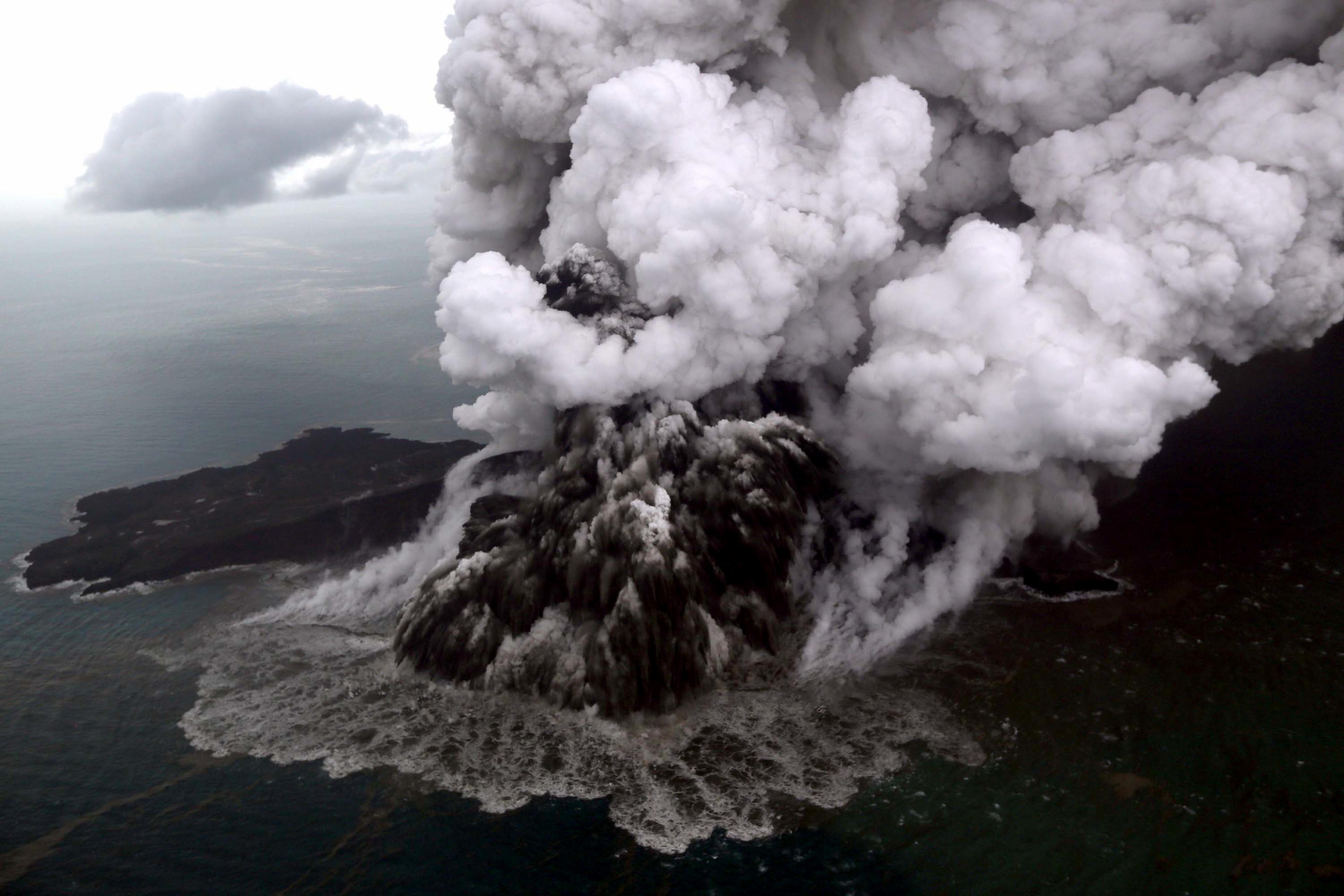 150 millió köbméternyi szikla okozhatta a pusztító cunamit Indonéziában