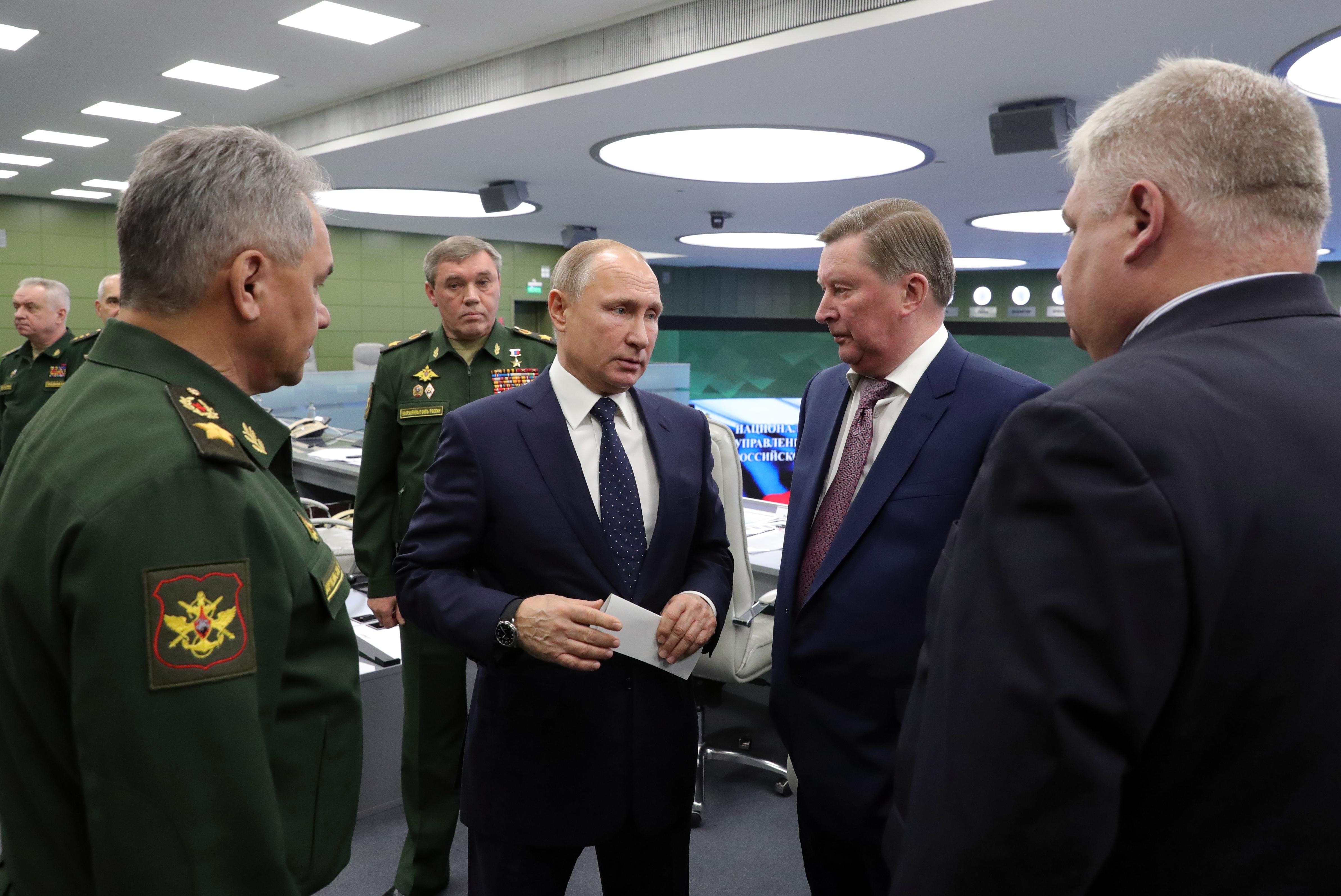 Putyin szerint óriási siker az új orosz hiperszonikus rakétarendszer, Amerika kétkedve figyel