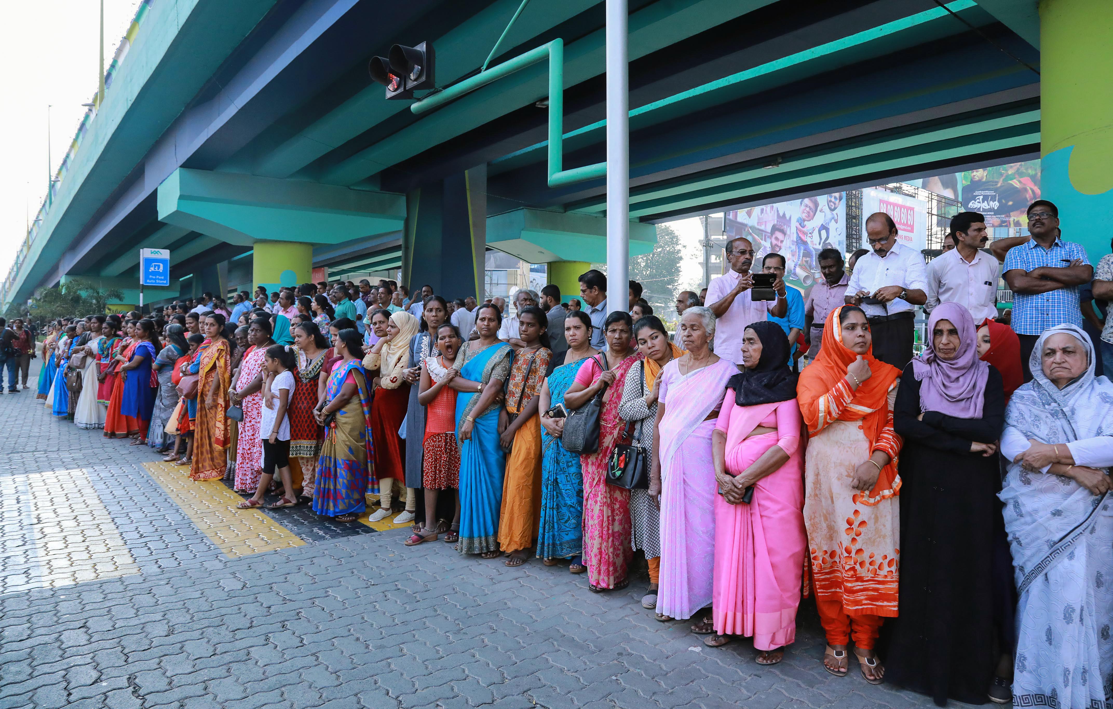 Leállt a kormányzat Keralában, miután két nő lépett be egy hindu templomba