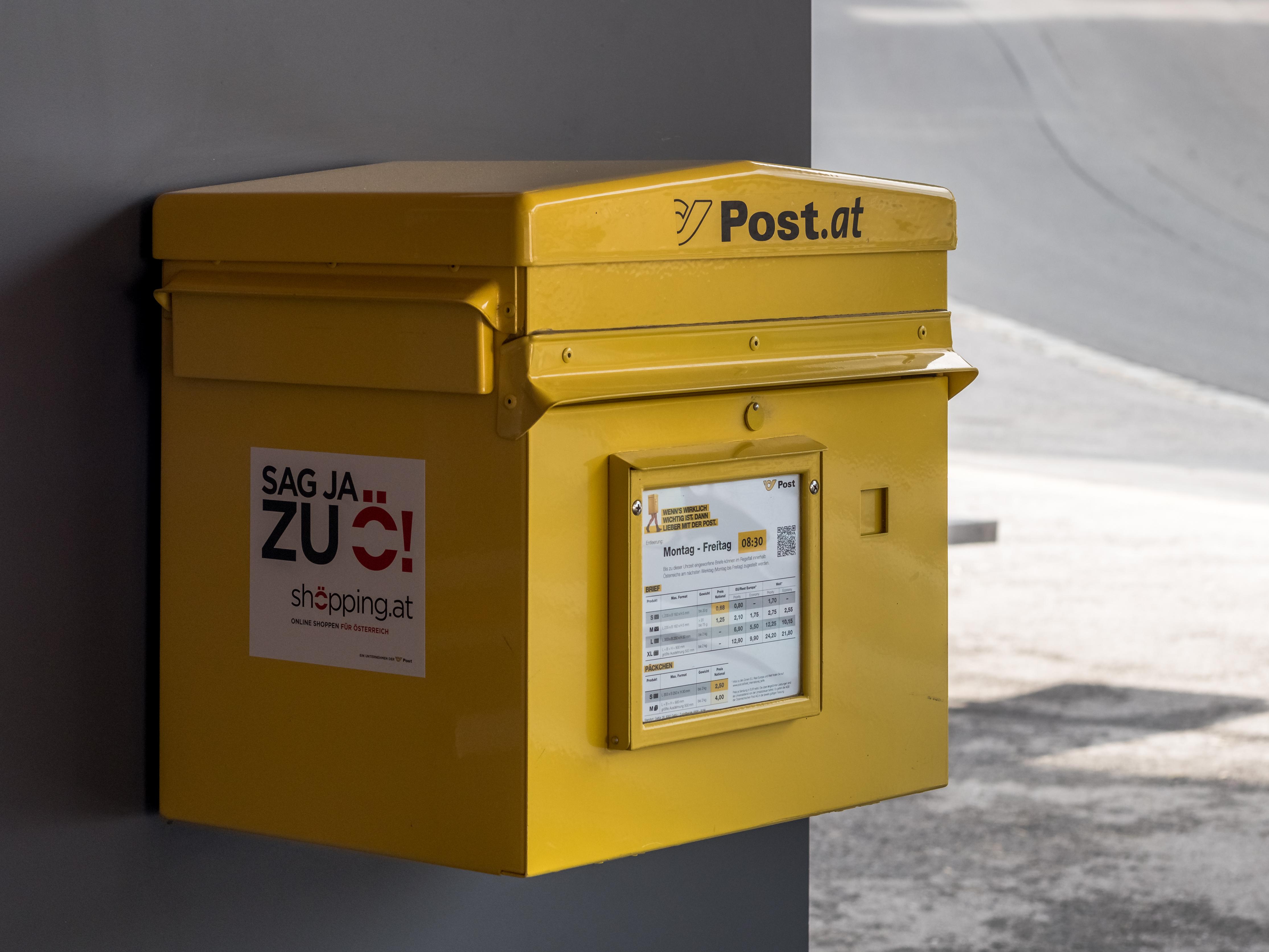 Ügyfelei politikai hovatartozásáról árult adatokat az Osztrák Posta