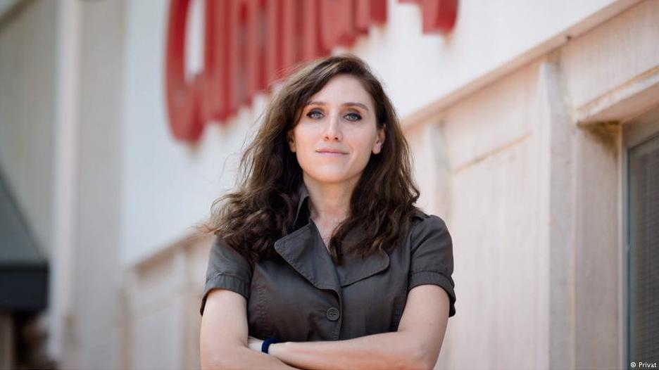 Börtönbüntetést kapott a török újságírónő a volt miniszterelnök máltai cégügyeinek firtatása miatt