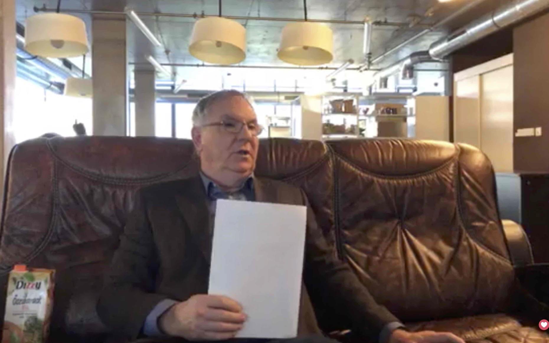 A Duna Médiaszolgáltató vezetője leült Hadházyékhoz, és kijelentette: Tökéletesen jónak és pártatlannak tartja a magyar közmédia Híradóit