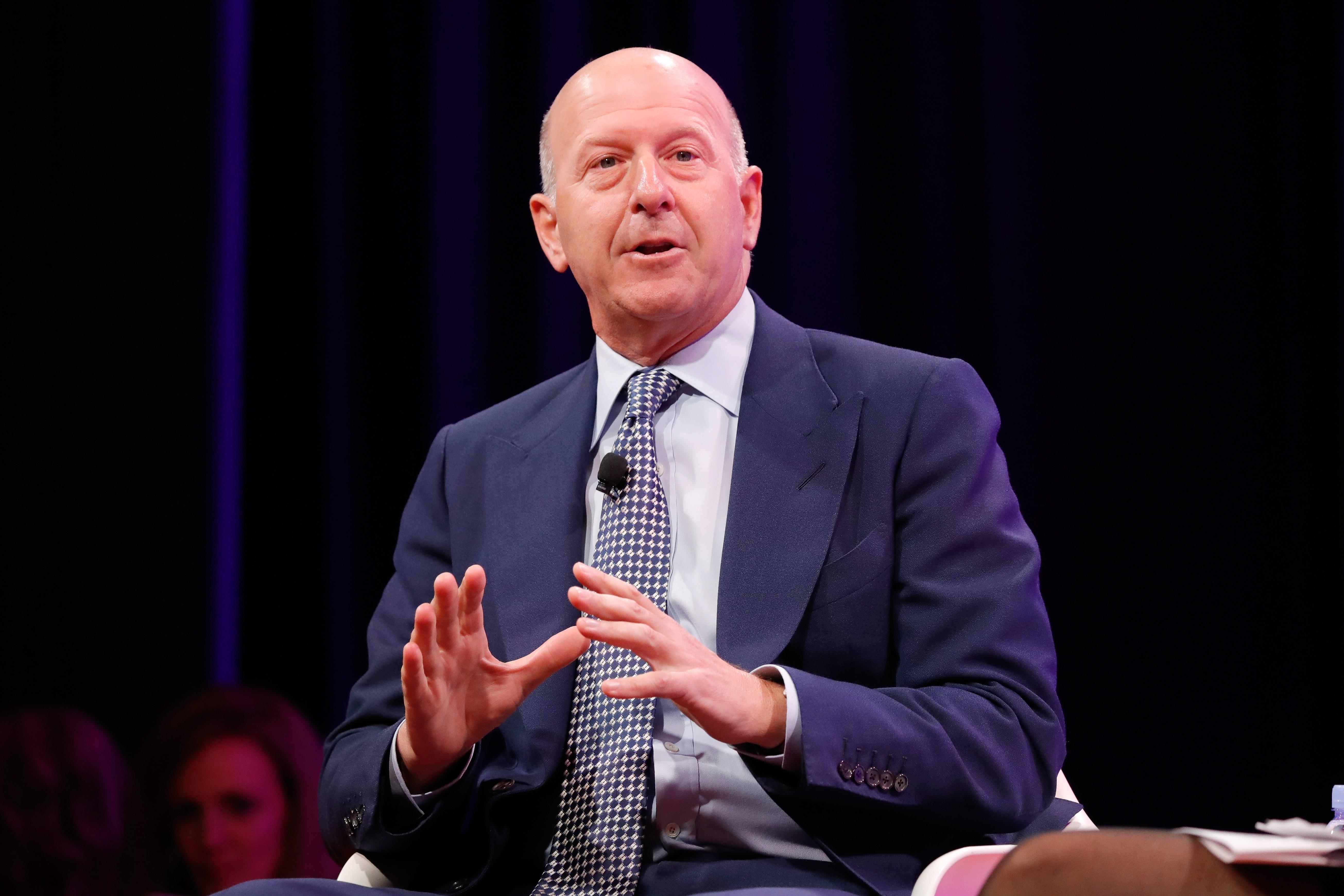 A Goldman Sachs bocsánatot kér a maláj néptől dollármilliárdok eltüntetése miatt