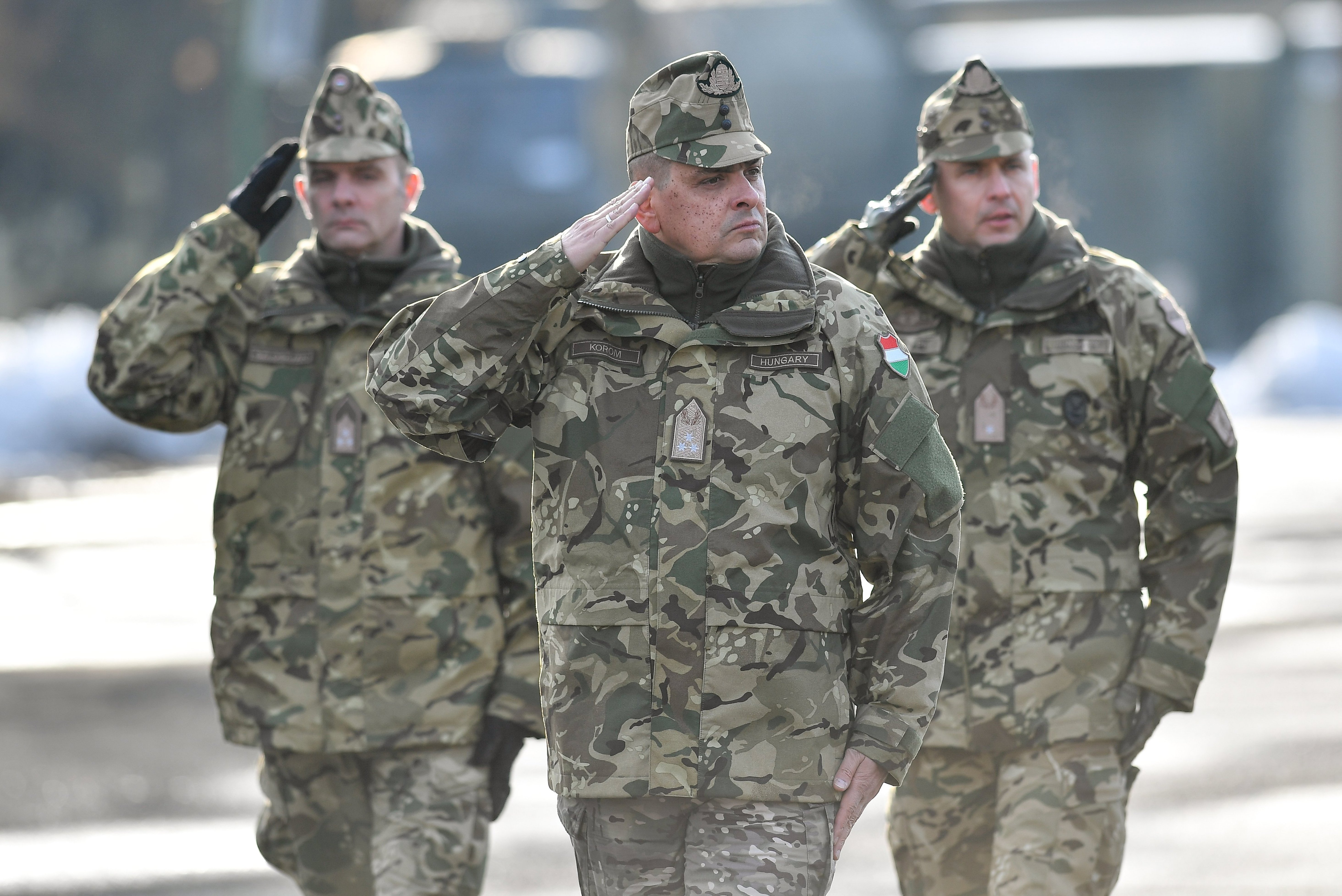 Szokatlan körülmények között távozott a magyar hadsereg parancsnoka