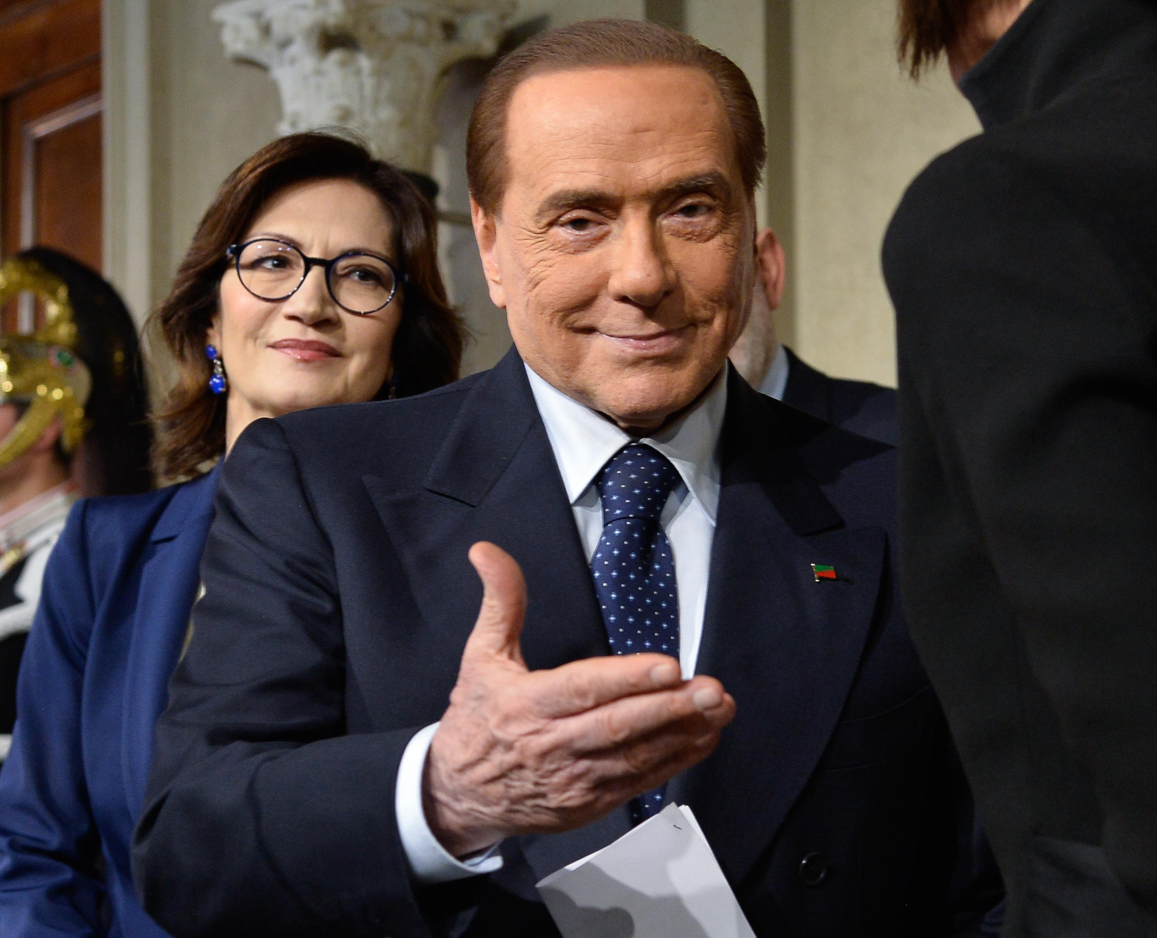 Silvio Berlusconi jelölteti magát az európai  parlamenti választásokon
