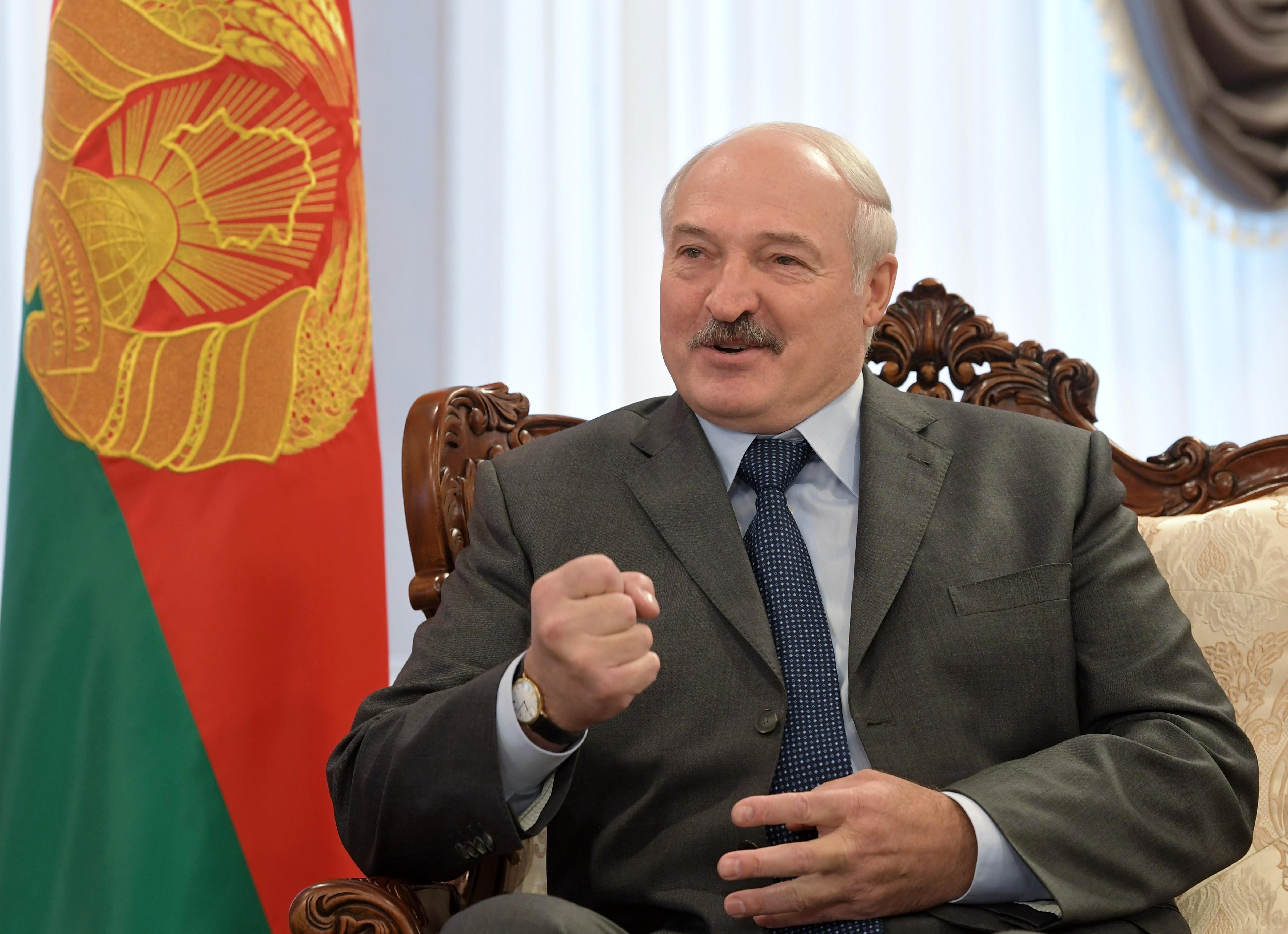 Lukasenka nem fogja beoltatni magát a vakcinával