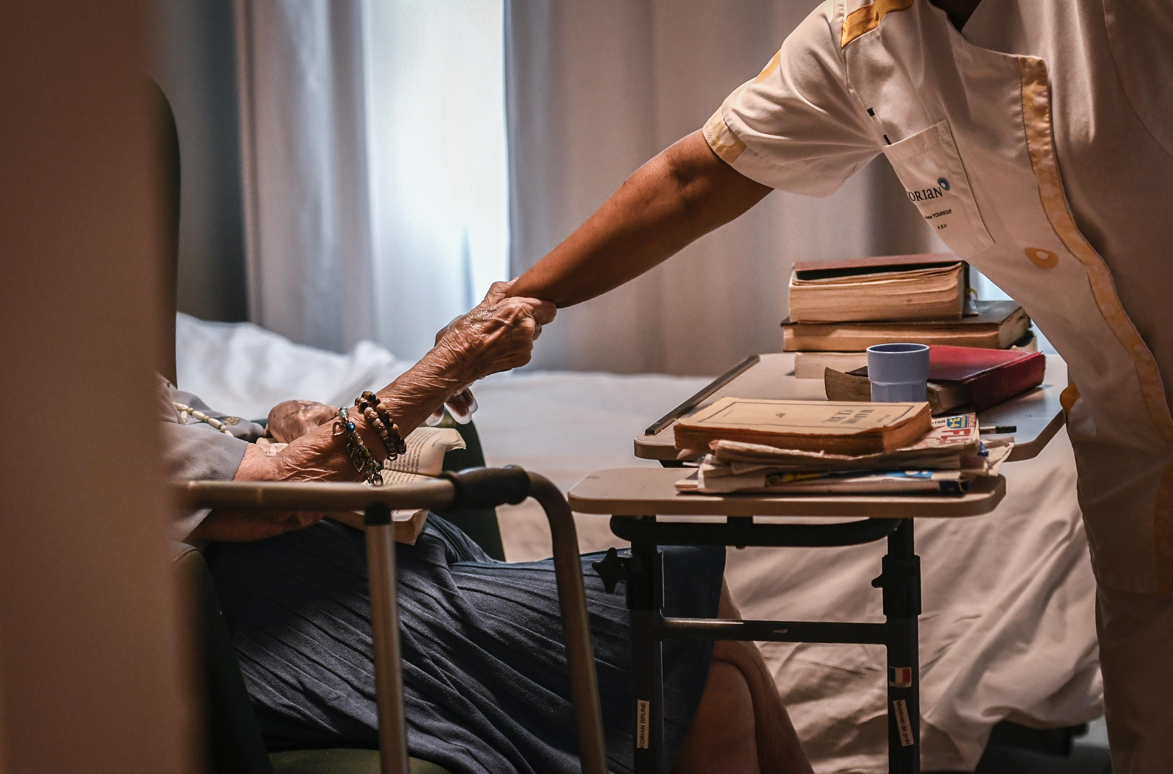 WHO: a század közepére megháromszorozódhat a demenciával élők száma