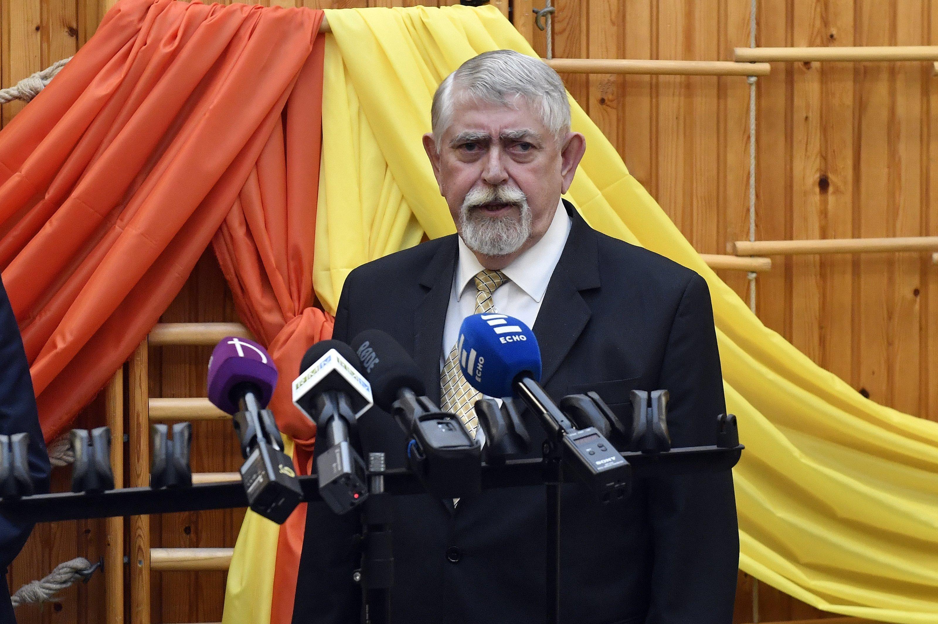 Népszava: Távozik Kásler Miklós fejlesztésért felelős helyettes államtitkára
