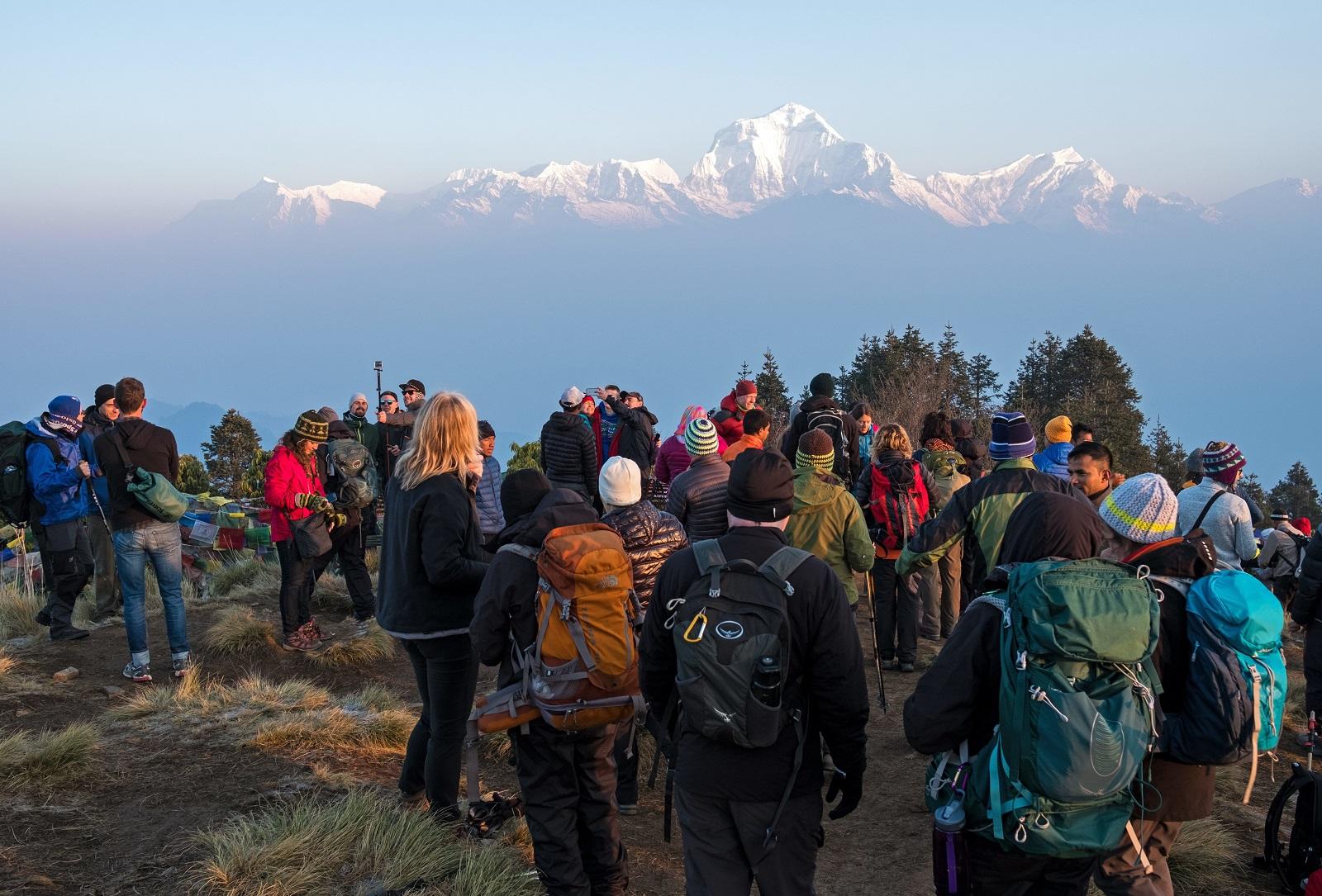 Teljesen tönkreteheti Nepált a fosatós-mentőhelikopteres turistalehúzás