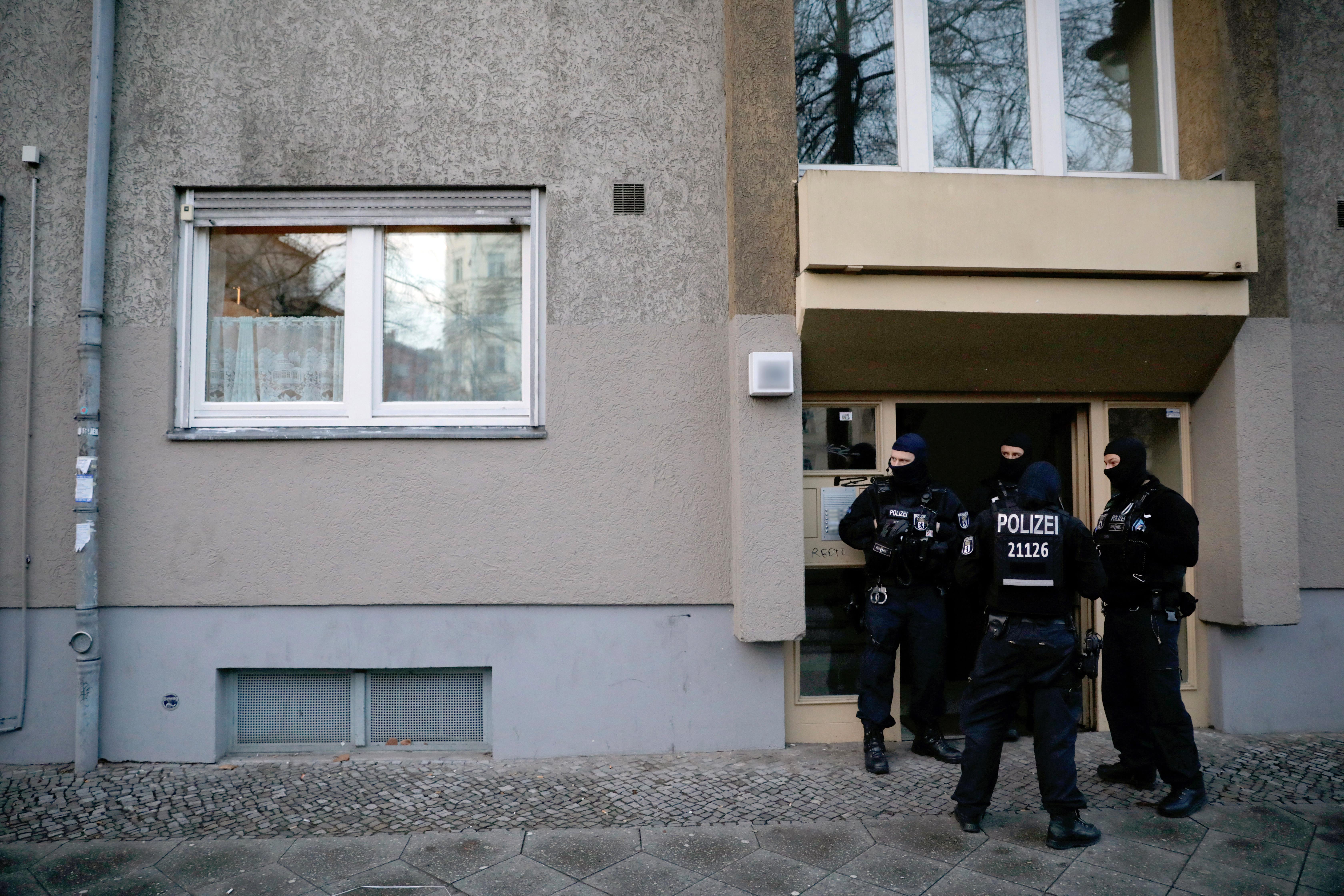 Szilveszteri petárdákból akart bombát gyártani három iraki férfi Németországban